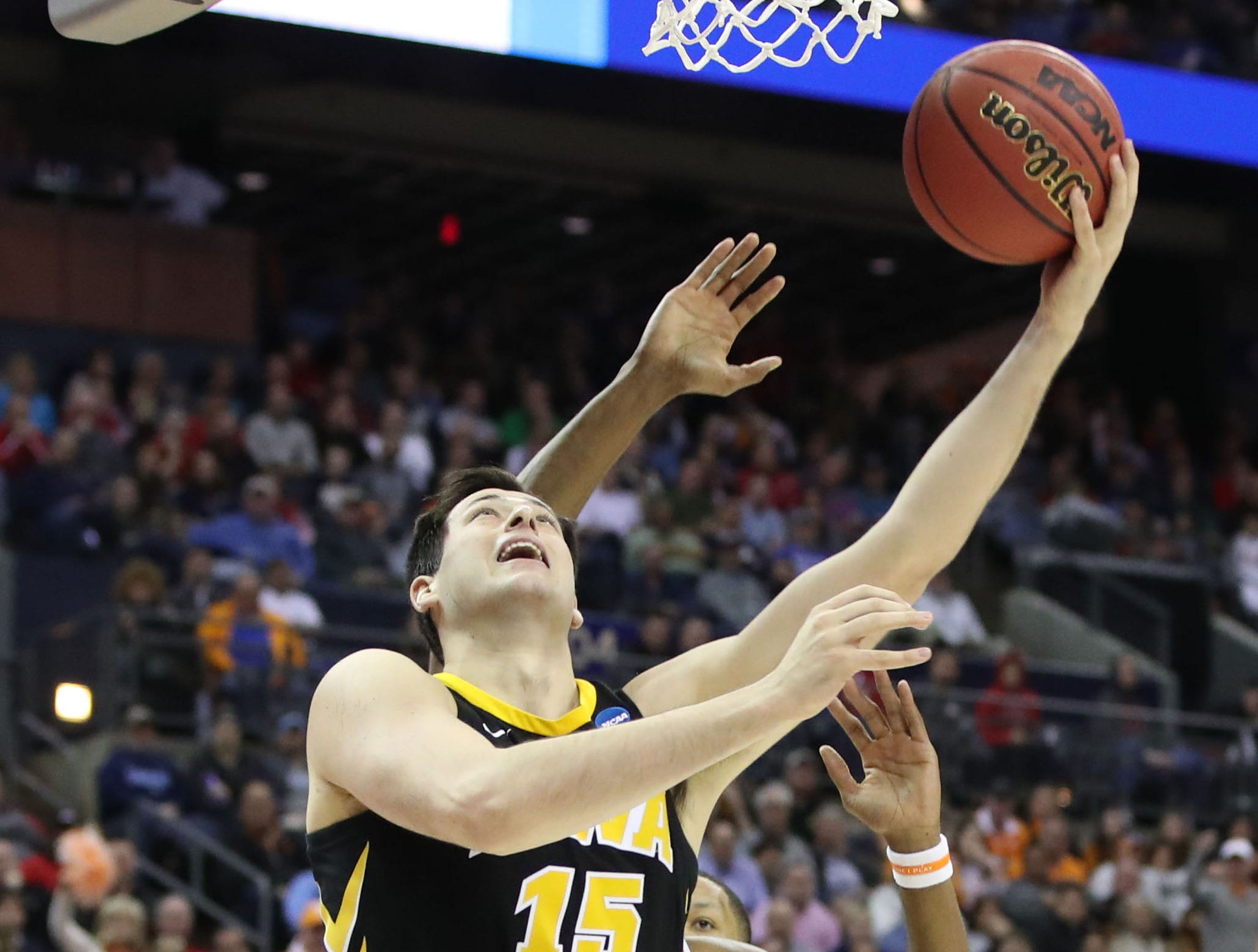 Iowa Hawkeyes forward Ryan Kriener (15) goes to the basket in the second half against the Tennessee Volunteers in the second round of the 2019 NCAA Tournament at Nationwide Arena.