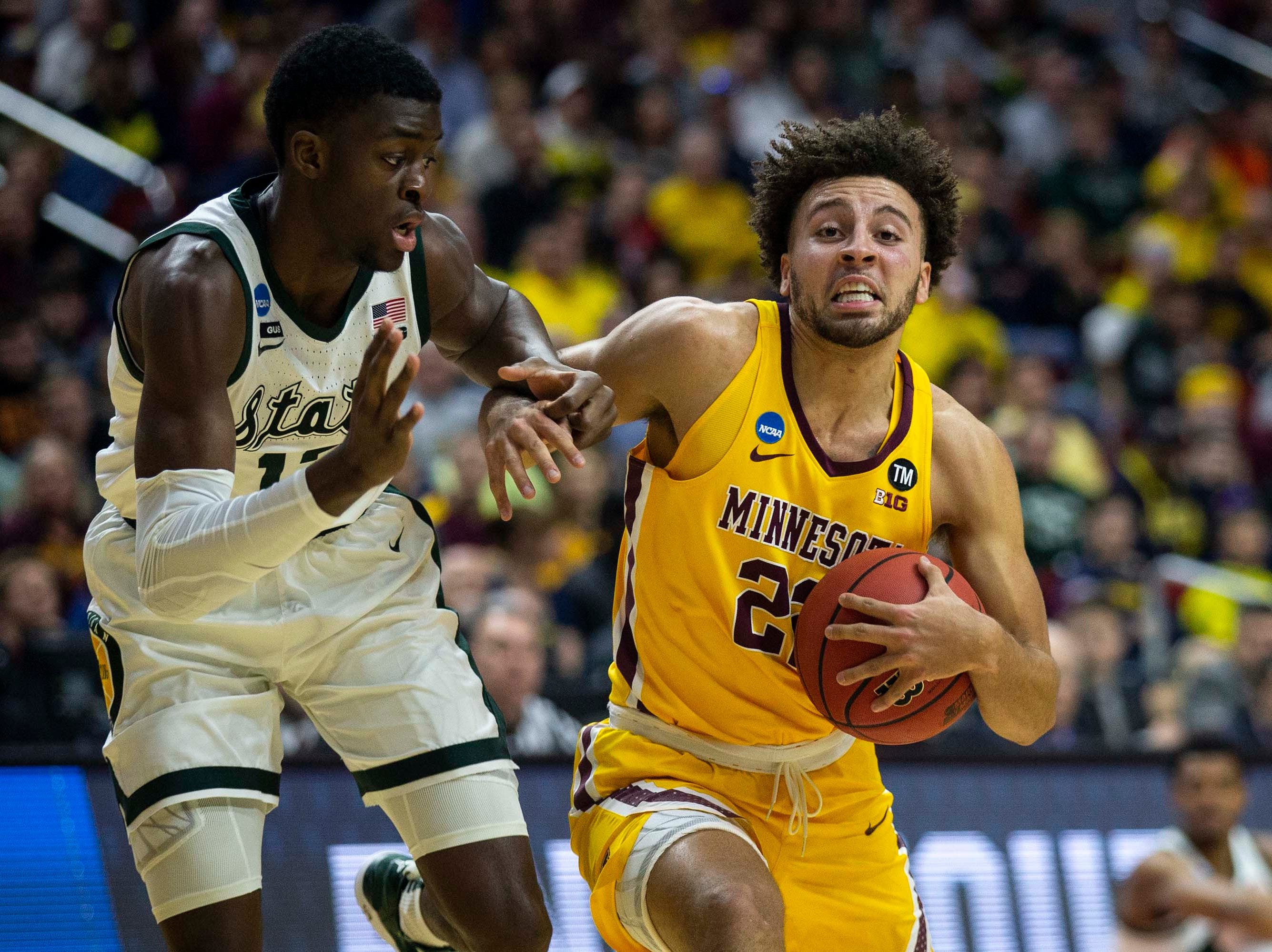 Minnesota's Gabe Kalscheur drives to the hoop during the NCAA Tournament second-round match-up between Minnesota and Michigan State on Saturday, March 23, 2019, in Wells Fargo Arena in Des Moines, Iowa.