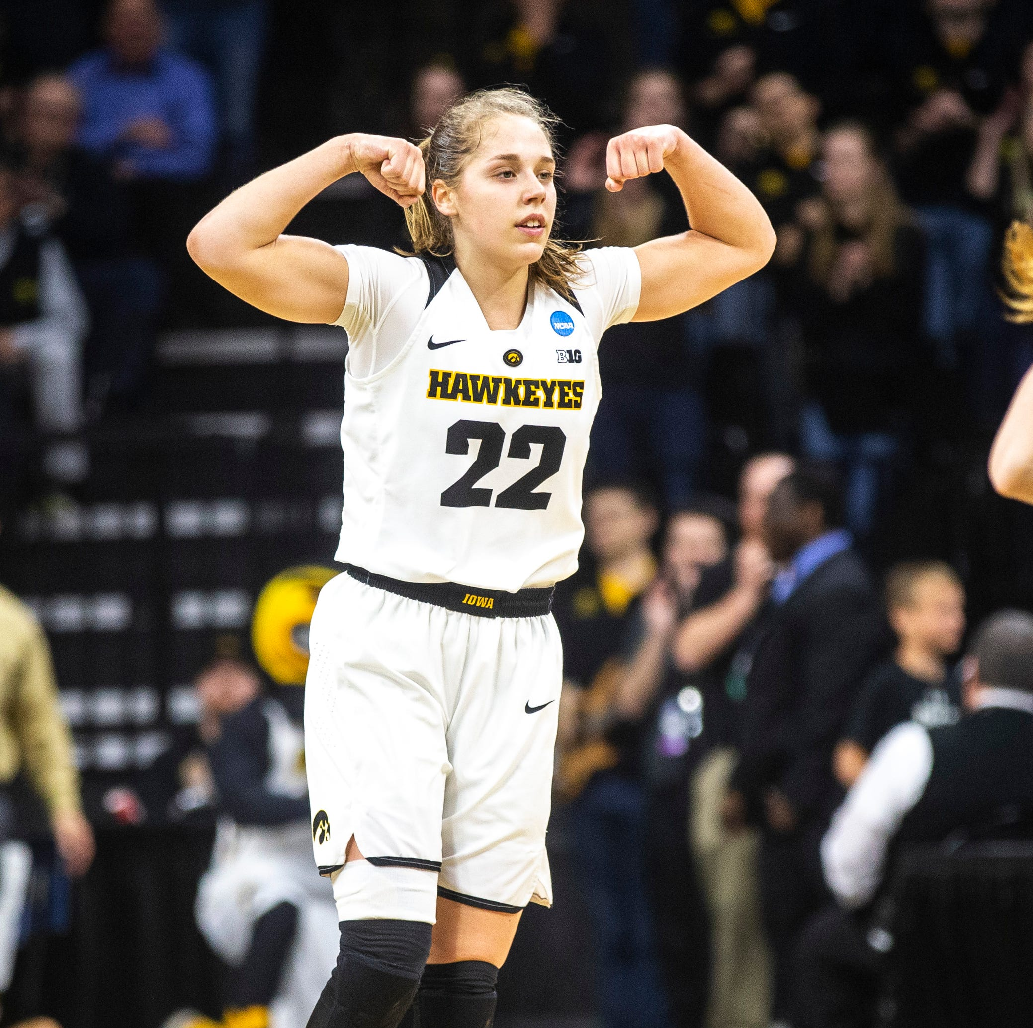 Emphatic second half pushes Hawkeyes past Missouri, into Sweet Sixteen