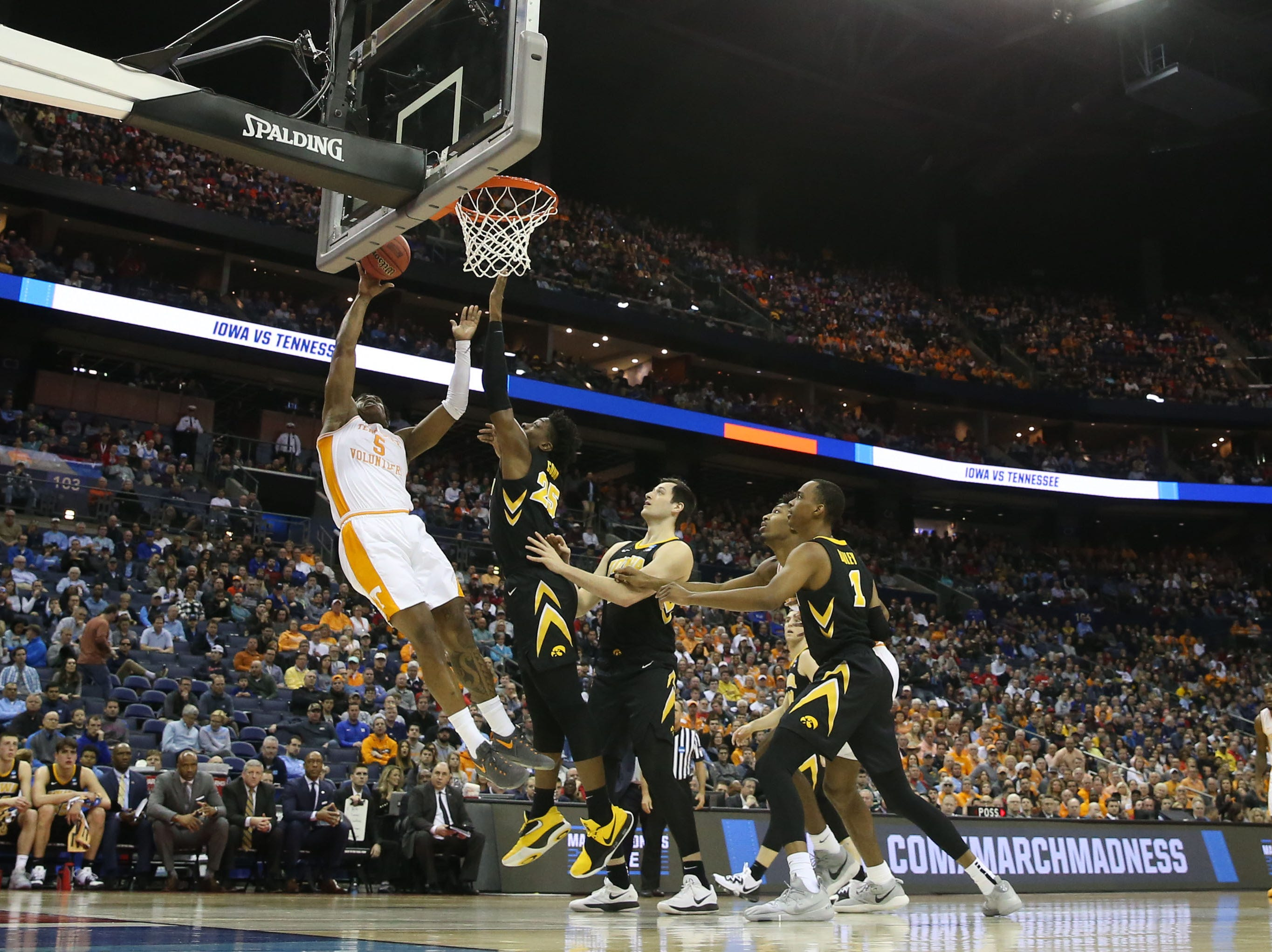 Tennessee Volunteers guard Admiral Schofield (5) goes to the basket in the first half against the Iowa Hawkeyes in the second round of the 2019 NCAA Tournament at Nationwide Arena.