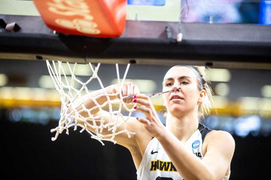 The Iowa women lived up to President Barack Obama's expectations, making the Sweet 16 with a rout of Missouri.