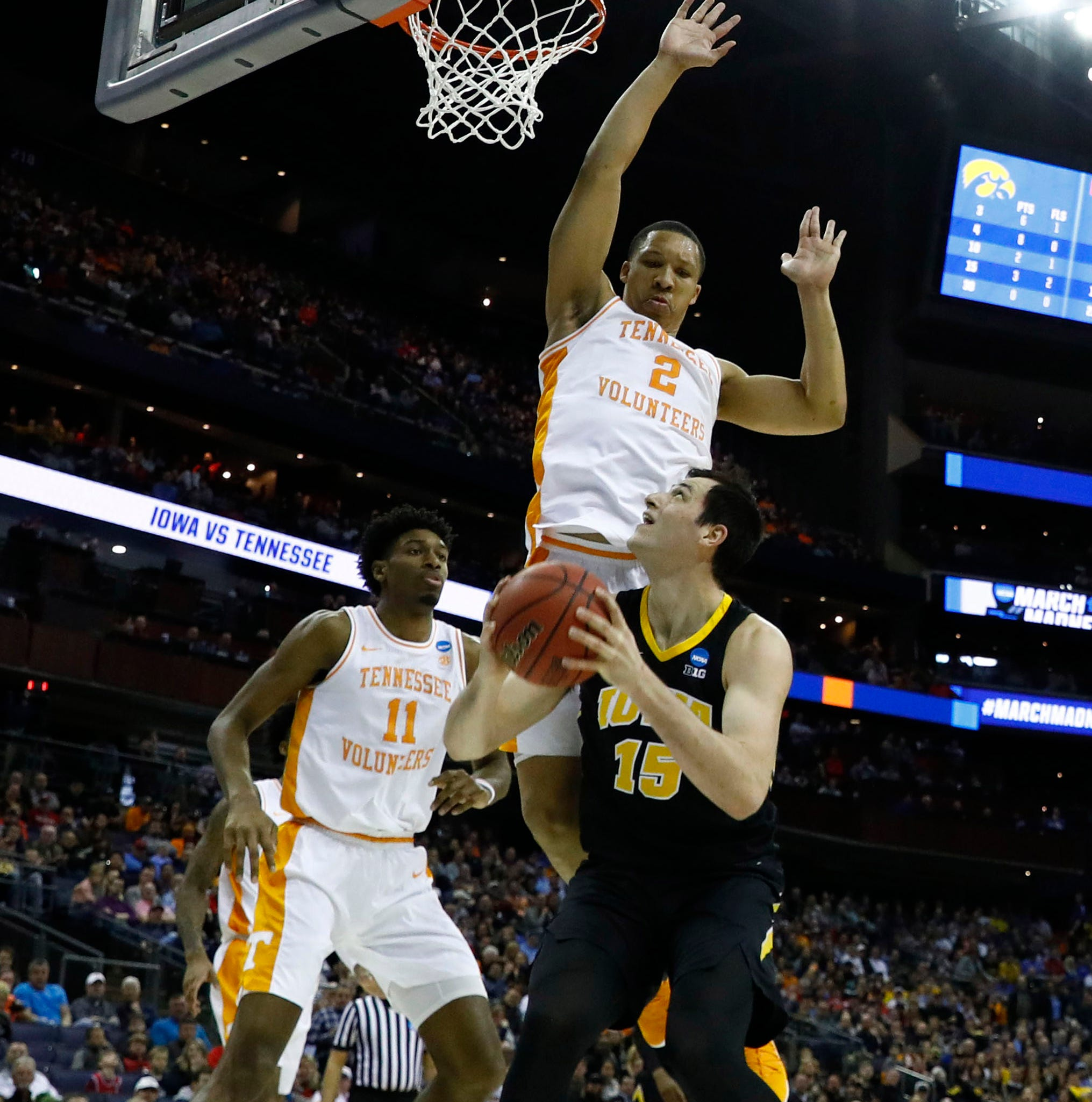 FINAL: Iowa stages furious rally but falls 83-77 in overtime to Tennessee