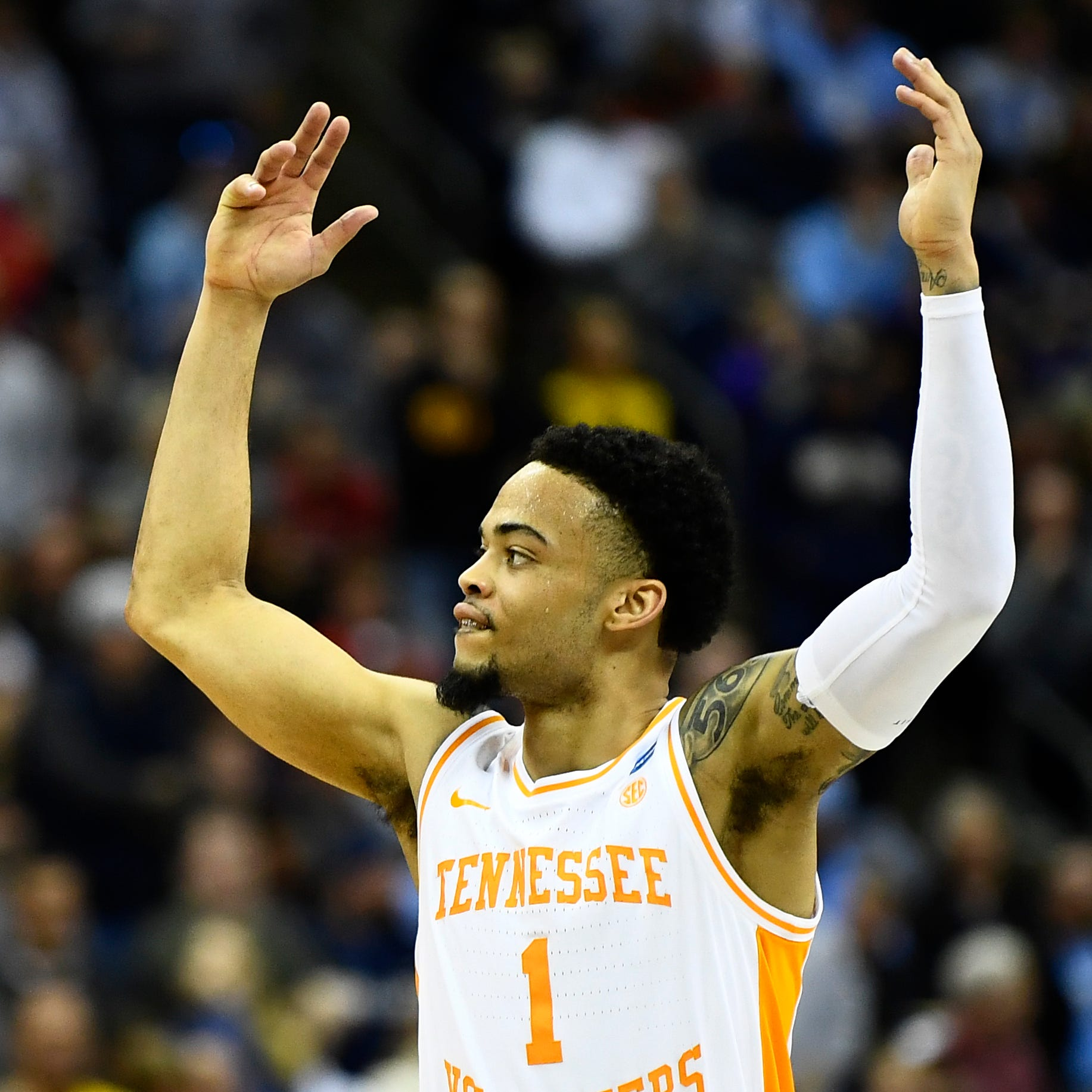 Tennessee moves a game closer to Final Four despite stunning Iowa comeback