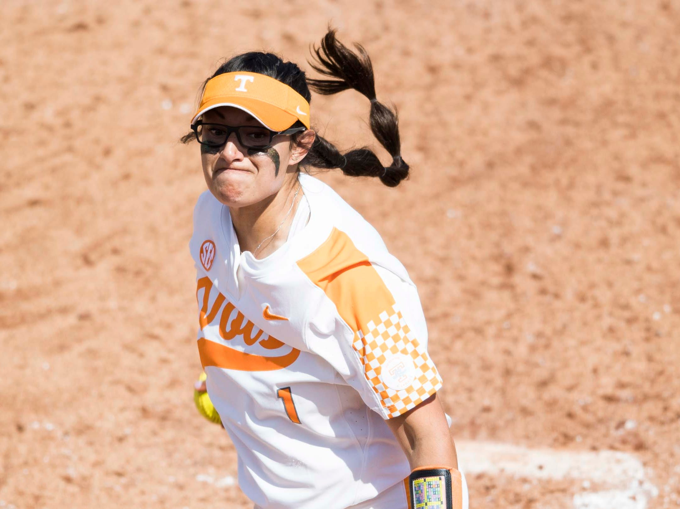 Tennessee pitcher Matty Moss (1) throws a pitch during a Lady Vols softball game against Arkansas at Sherri Parker Lee stadium on University of Tennessee's campus in Knoxville Sunday, March 24, 2019. The Lady Vols defeated Arkansas.