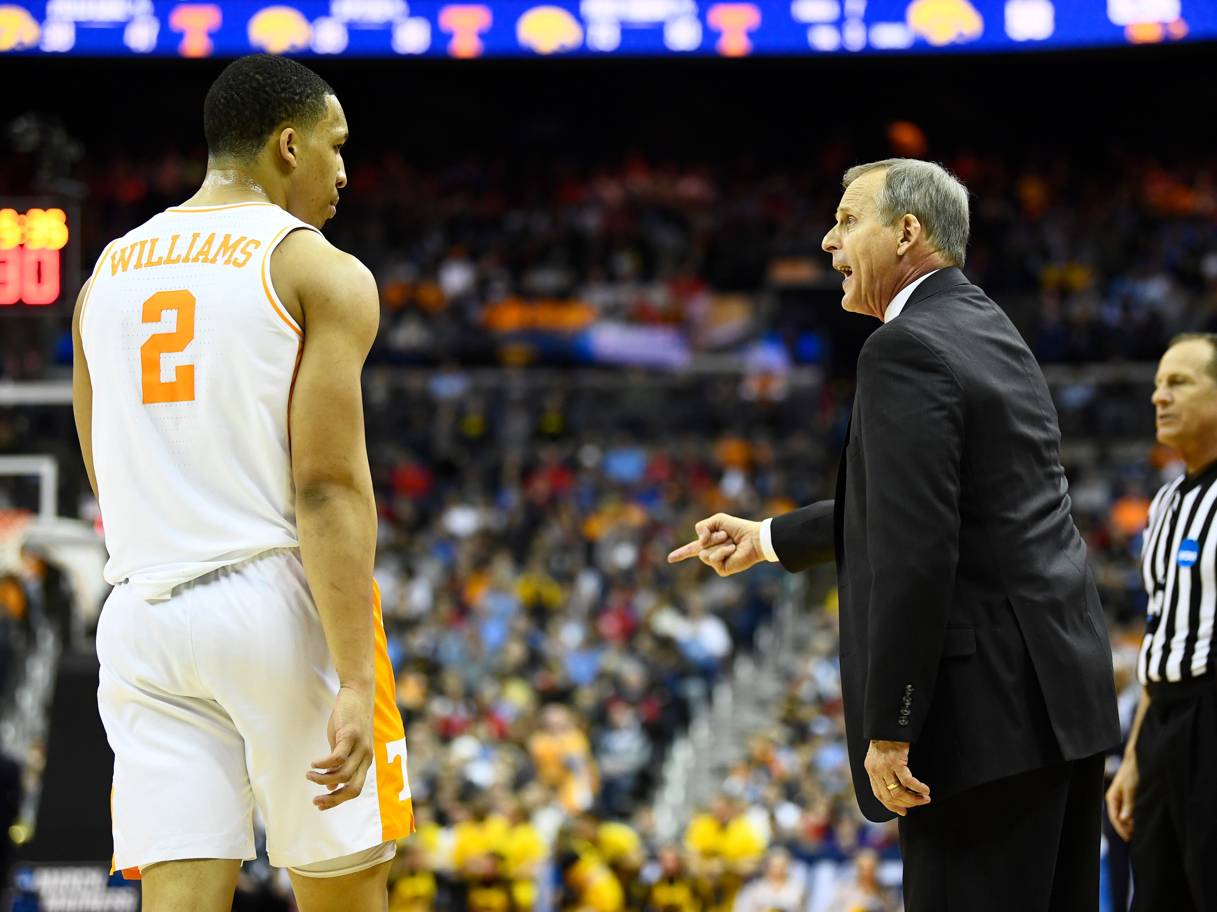 Tennessee head coach Rick Barnes yells out to forward Grant Williams (2) during the second half of the game against the Iowa Hawkeyes in the second round of the NCAA Tournament at Nationwide Arena in Columbus, Ohio, Sunday, March 24, 2019.