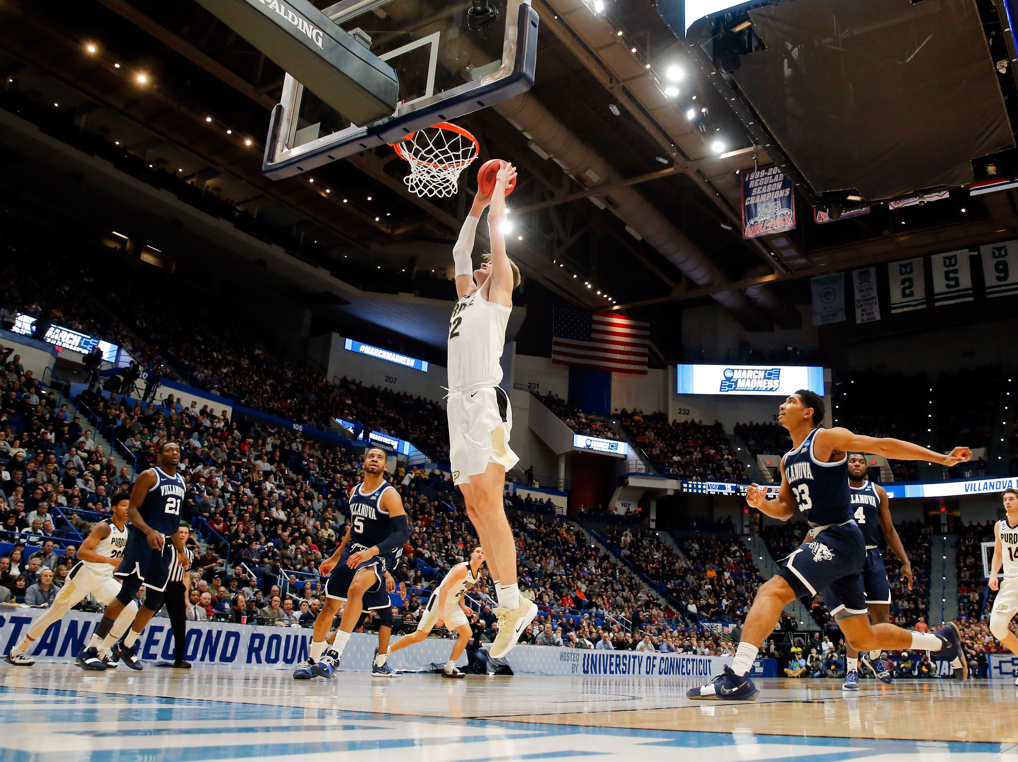 Mar 23, 2019; Hartford, CT, USA; Purdue Boilermakers center Matt Haarms (32) dunks and scores against the Villanova Wildcats during the first half of a game in the second round of the 2019 NCAA Tournament at XL Center. Mandatory Credit: David Butler II-USA TODAY Sports