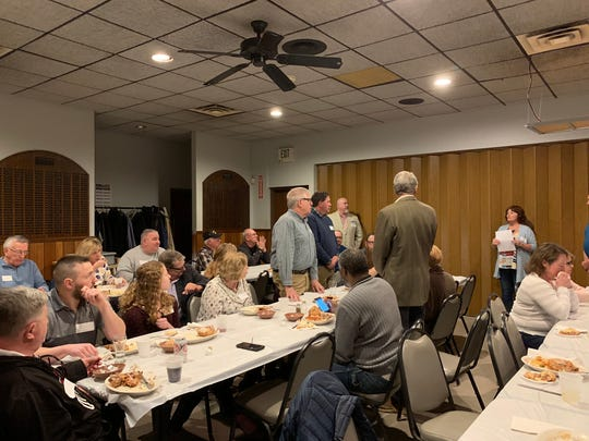 Mentor Coordinator Lori Fouhrman recognizes members of the Veterans Court mentor board during the Mentor Appreciation Dinner on March 24, 2019.