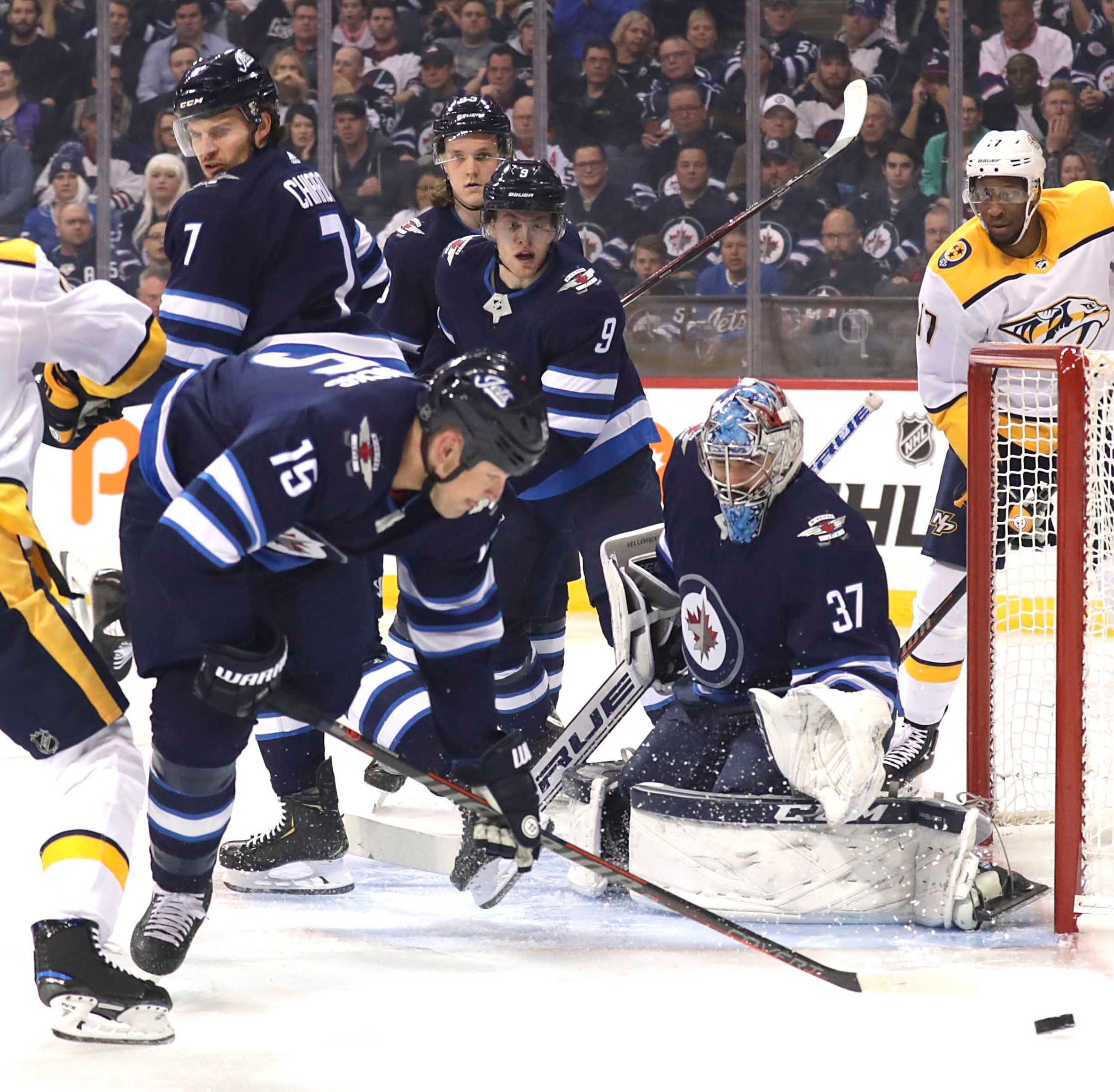 Jets take it to Predators, clinch playoff berth behind hat trick from Kyle Connor