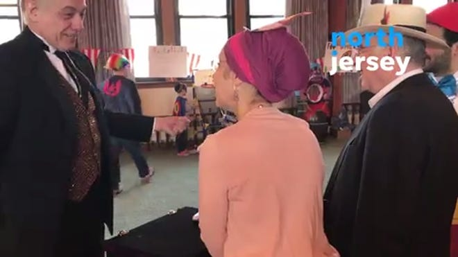 The jewish celebrate purim does what of feast Purim