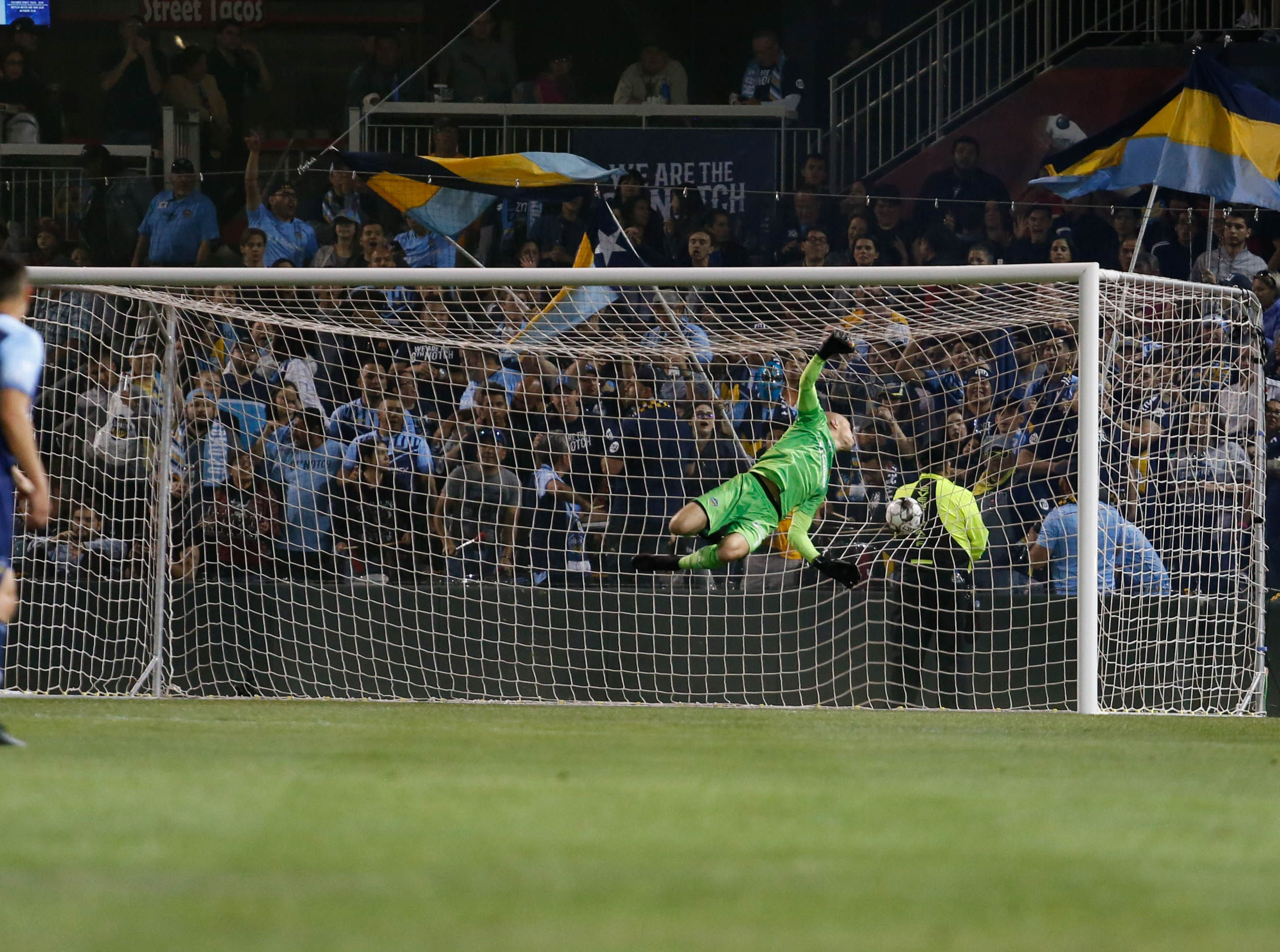 El Paso Locomotive goalkeeper Logan Ketterer misses a late shot for goal by Rio Grande Valley defender Romilio Hernandez in the 79th minute.