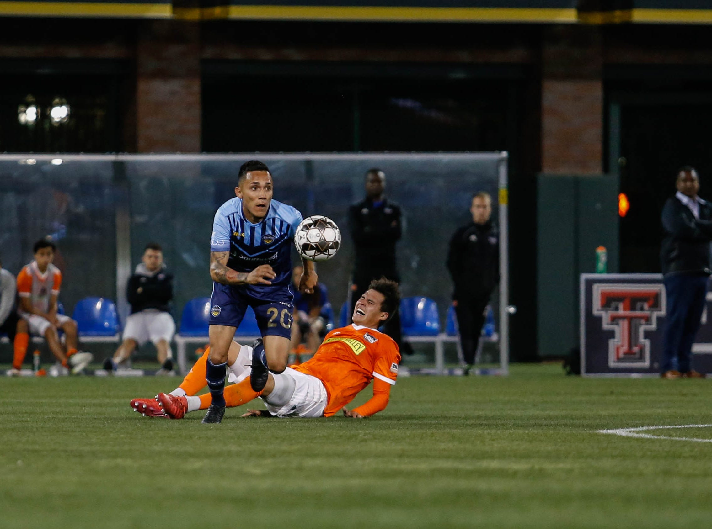 El Paso Locomotive midfielder Louis 'Chapa' Herrera pushes the ball forward.