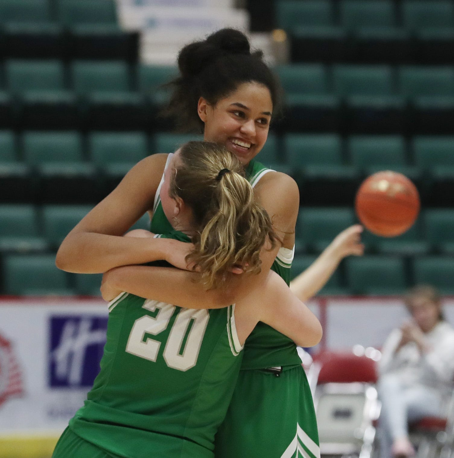 Girls basketball: Irvington holds on in nail-biting Federation championship, 47-41