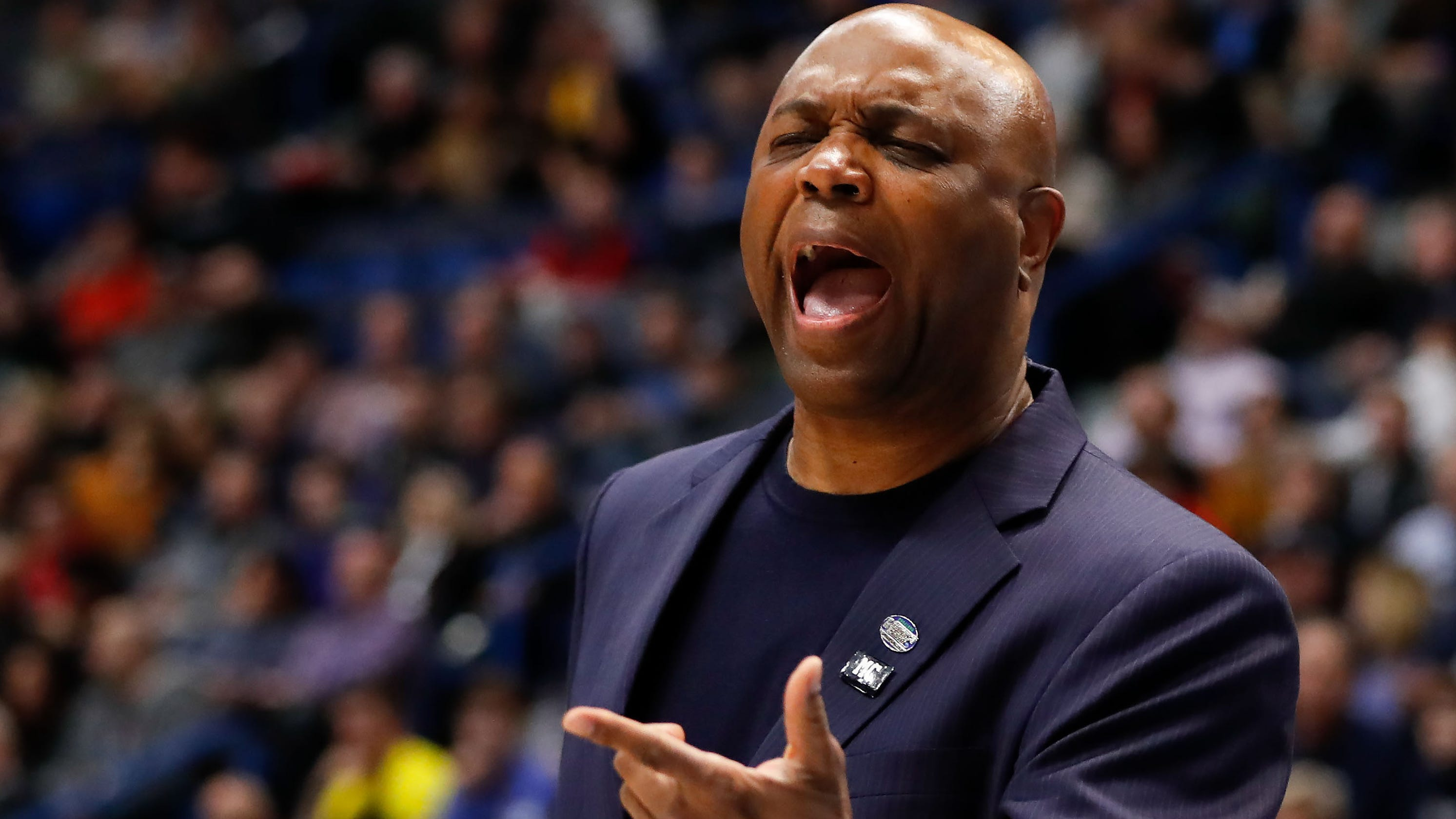 Florida State coach Leonard Hamilton gets $225,000 bonus for NCAA win over Murray State