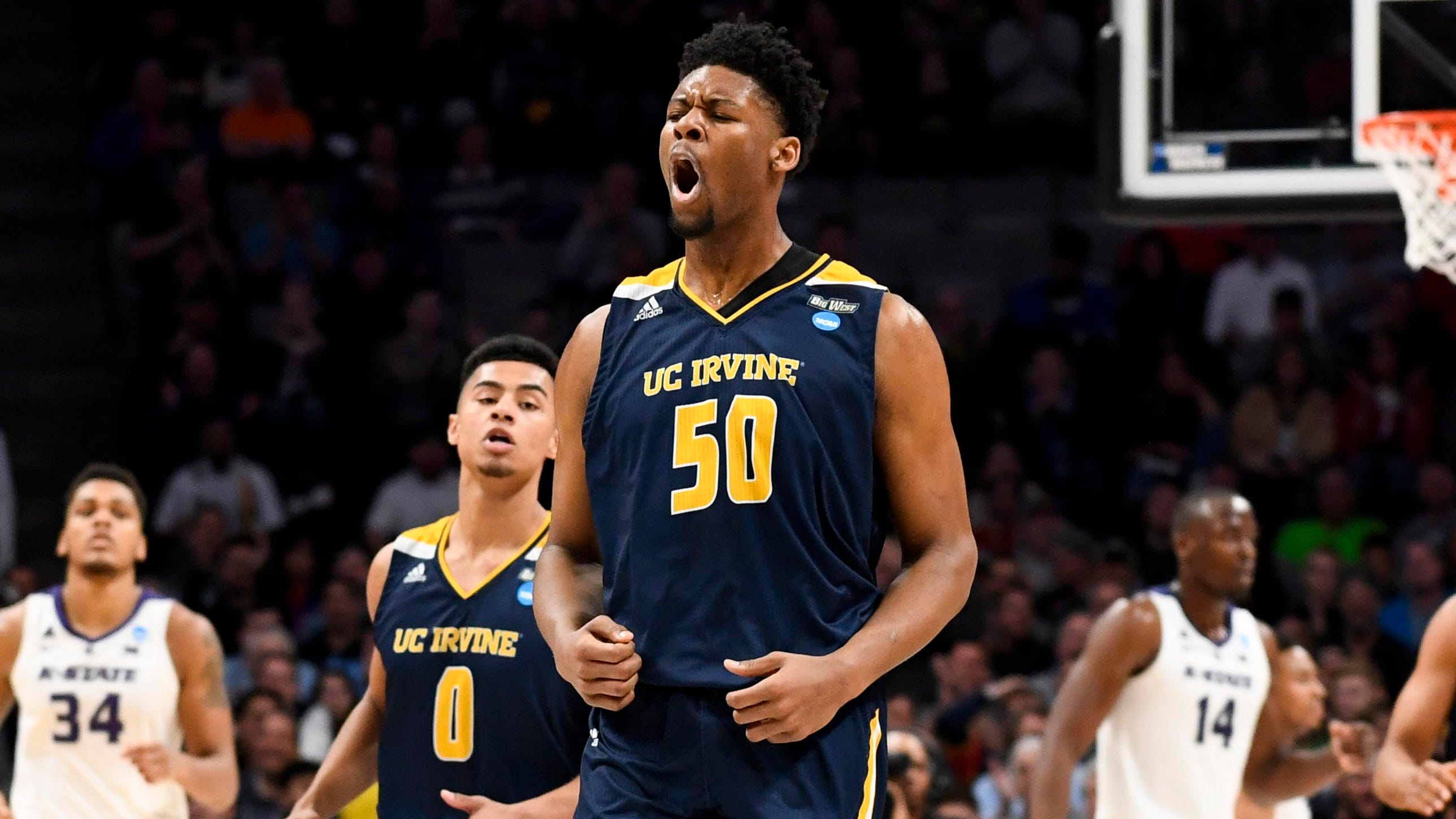 Elston Jones and UC Irvine will look to upend Oregon to reach the Sweet 16.