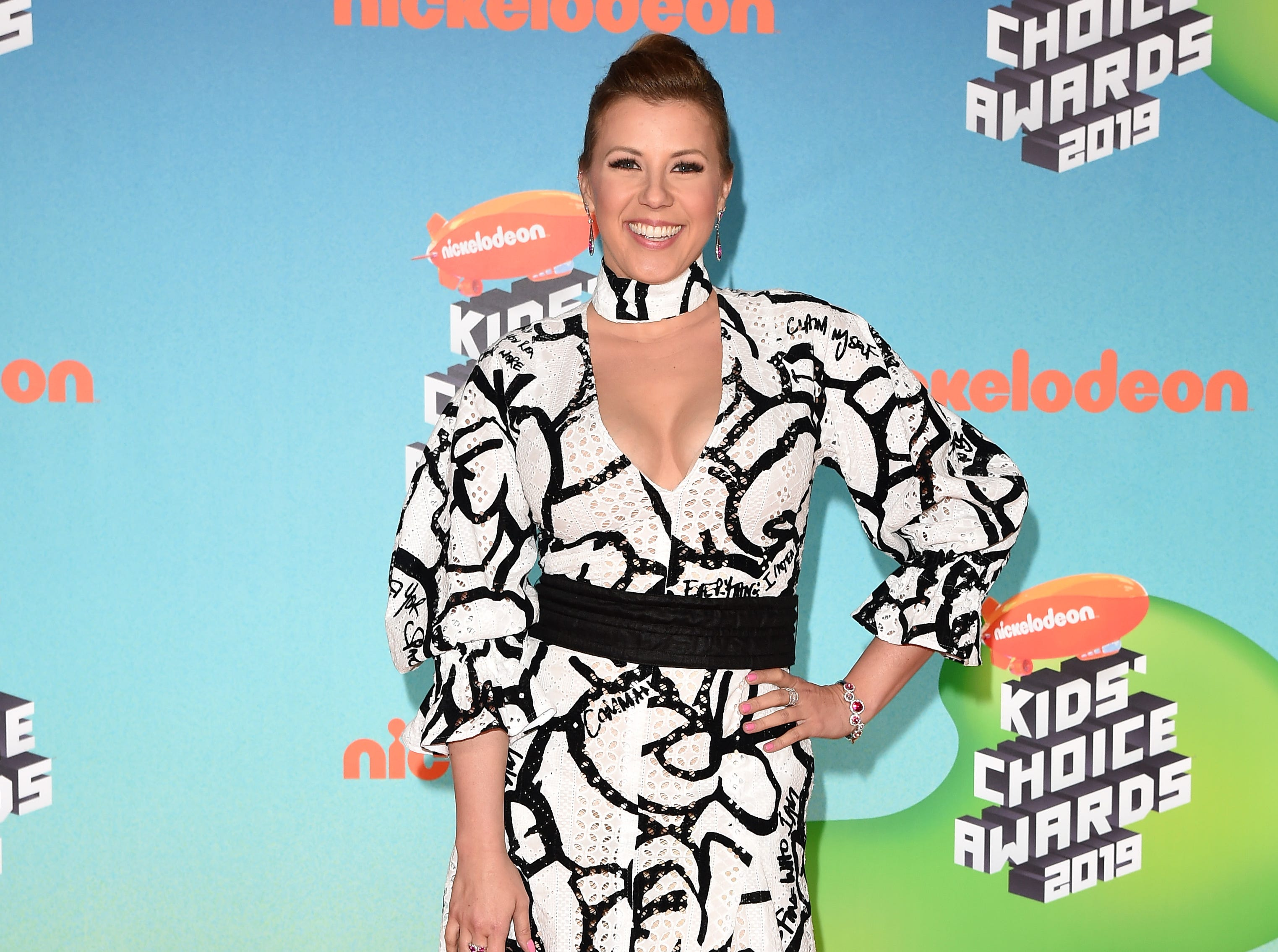 LOS ANGELES, CALIFORNIA - MARCH 23: Jodie Sweetin attends Nickelodeon's 2019 Kids' Choice Awards at Galen Center on March 23, 2019 in Los Angeles, California. (Photo by Axelle/Bauer-Griffin/FilmMagic) ORG XMIT: 775314636 ORIG FILE ID: 113787527