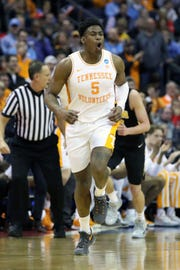 Tennessee Volunteers guard Admiral Schofield (5) reacts to play in the second half against the Iowa Hawkeyes.