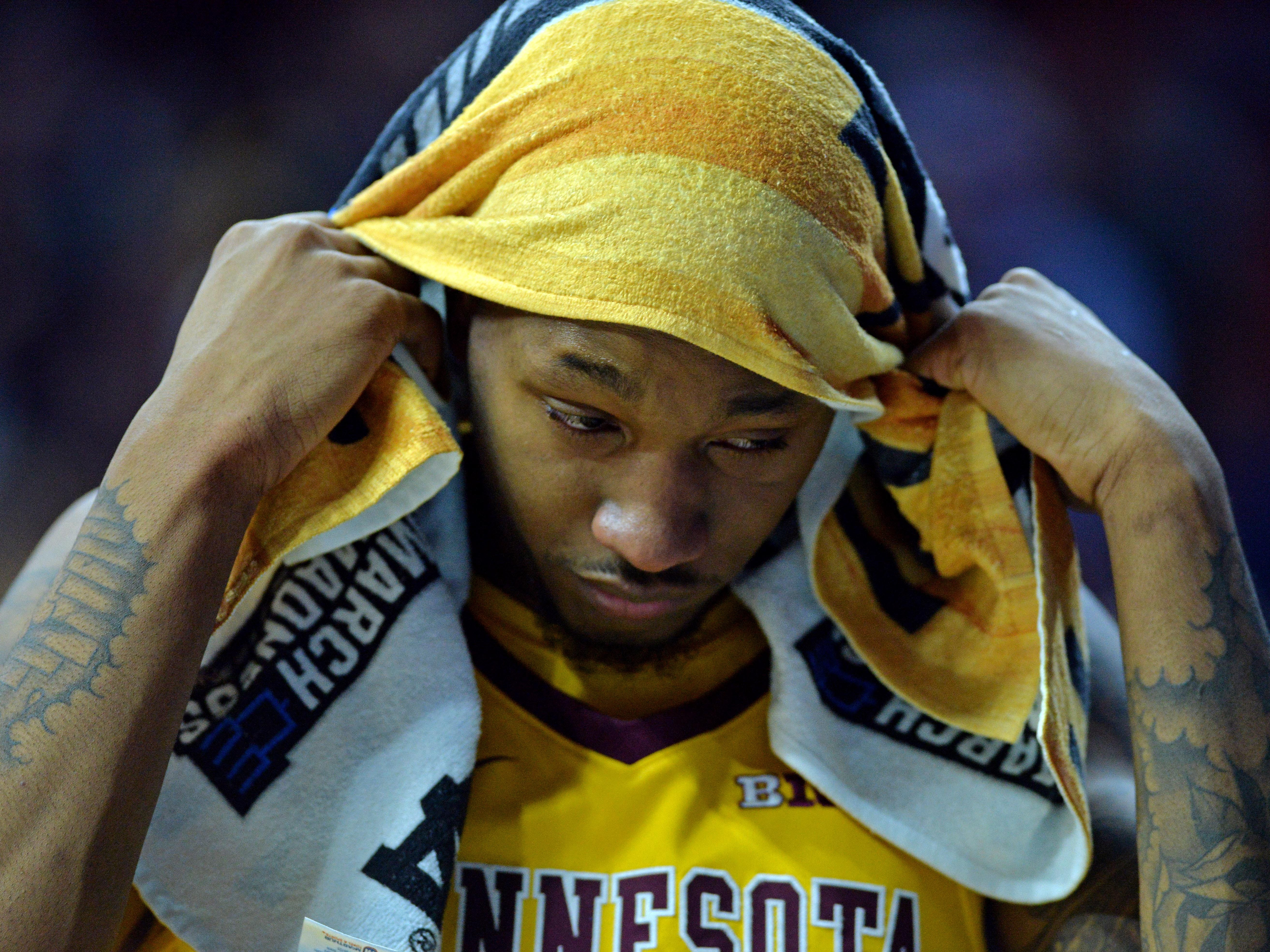 Round of 32: No. 10 Minnesota loses to No. 2 Michigan State, 70-50.