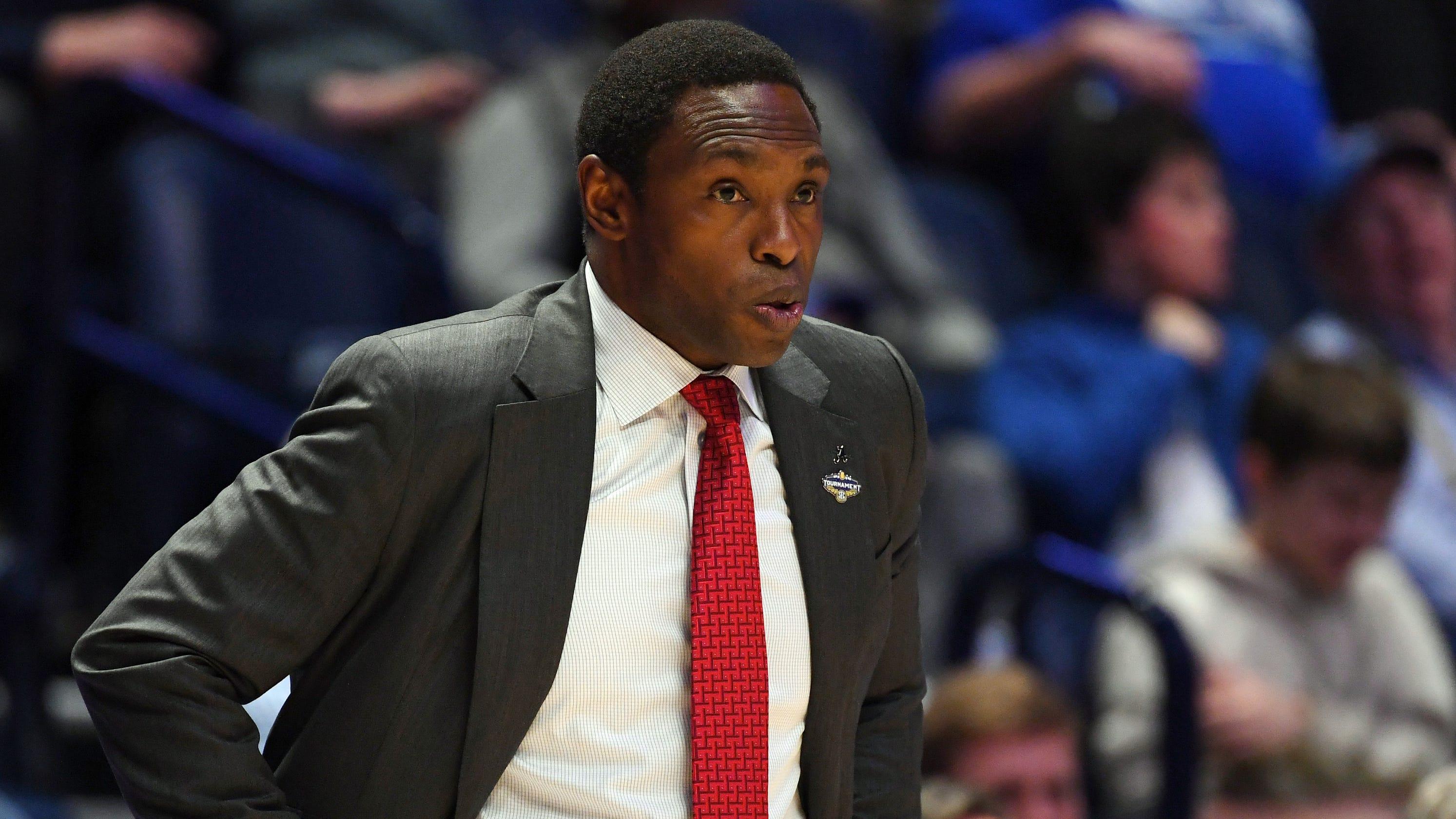 Alabama, basketball coach Avery Johnson mutually part ways after buyout agreement