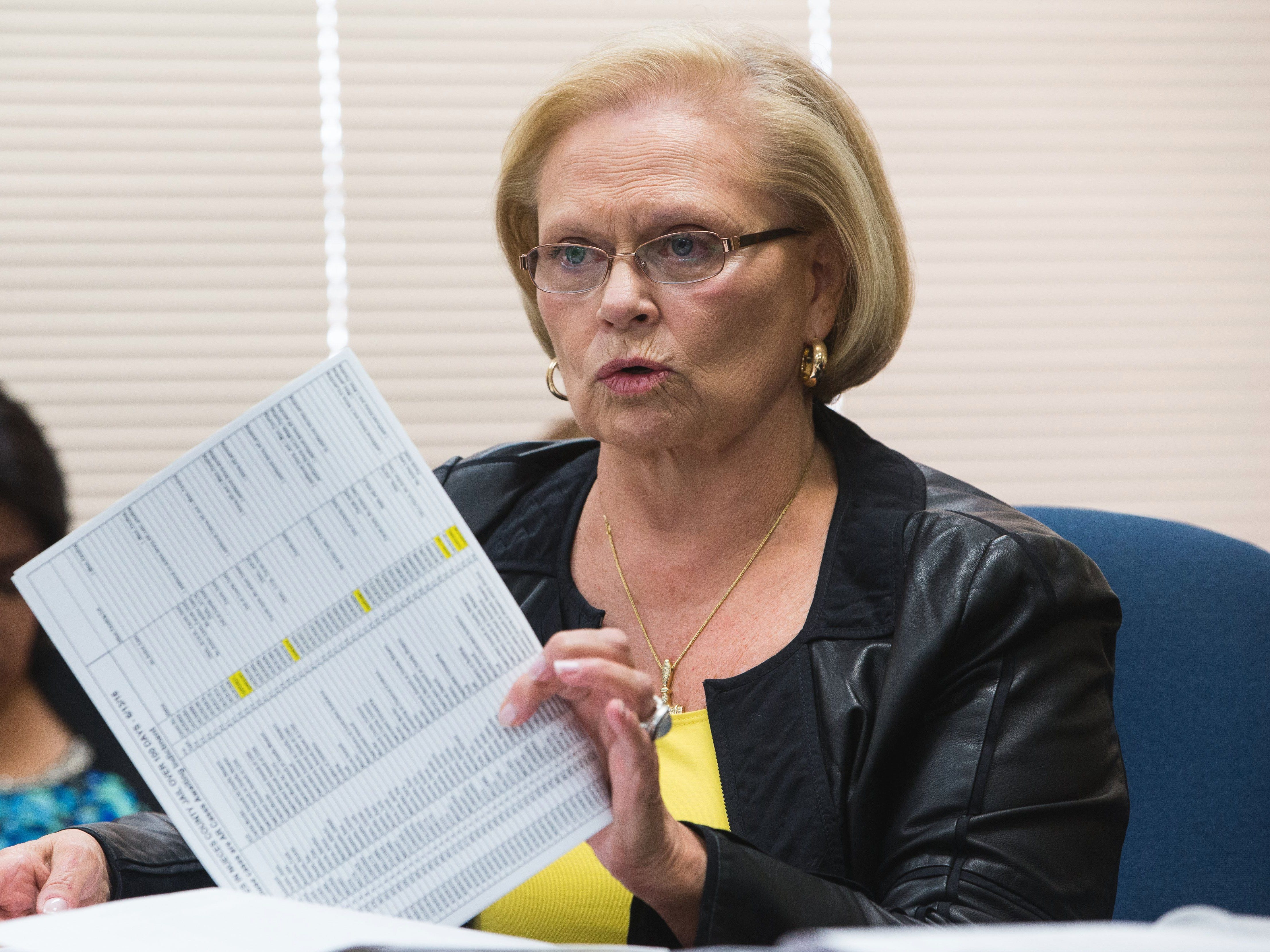 117th District Court Judge Sandra Watts holds up an analysis of cases assigned to her court that hadn't been presented to a grand jury during an emergency judge's meeting in 2016.