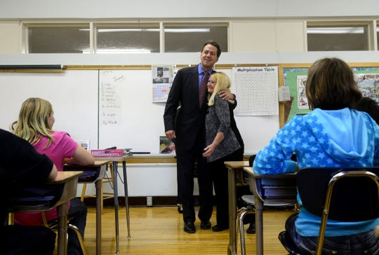 Gov. Steve Bullock visits the classroom of Montana history teacher of the year, Cynde Swartz, at Lewis and Clark Elementary School in 2013. Nominations are due for the award on Friday.