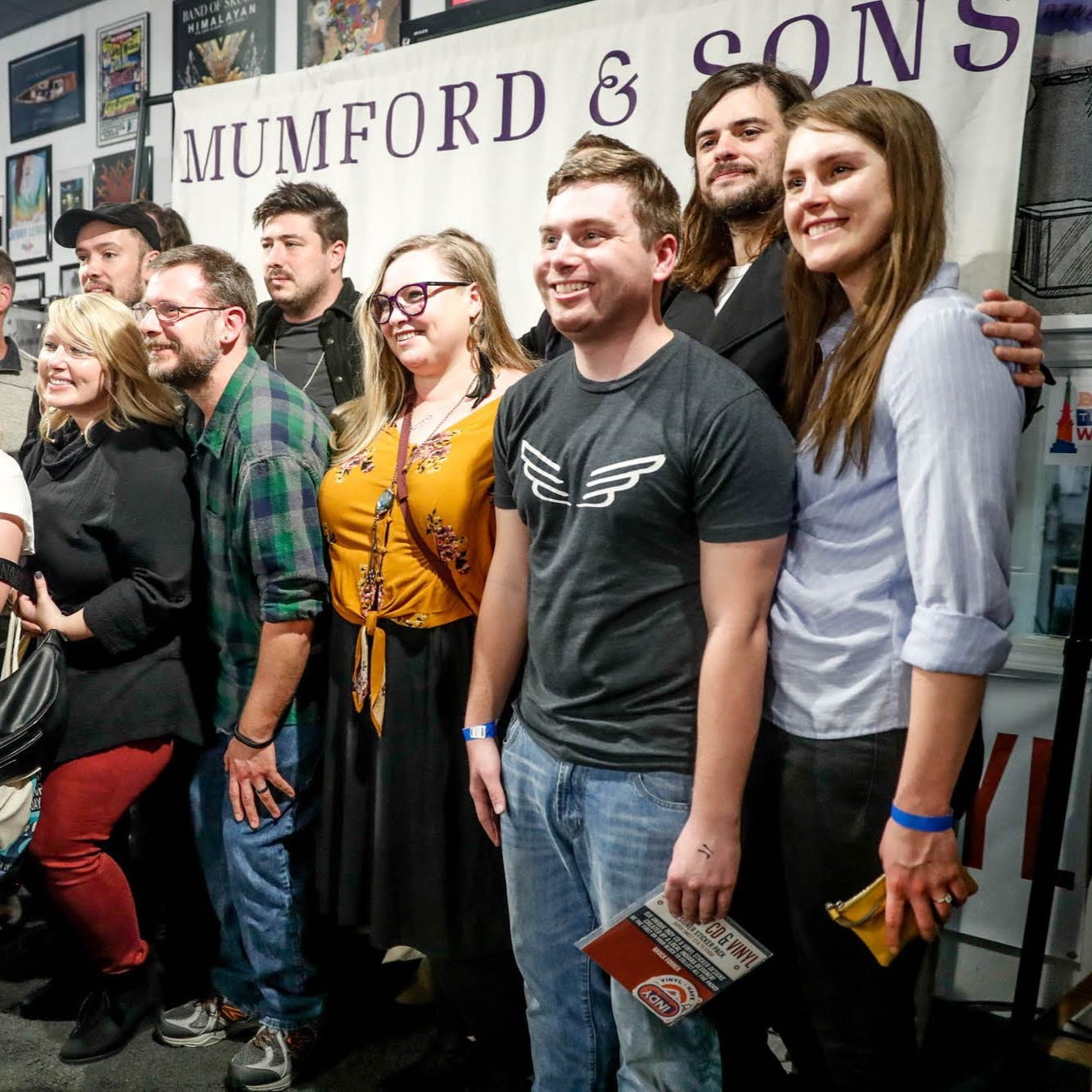 Mumford & Sons attract faithful fans at Broad Ripple's Indy CD & Vinyl
