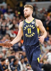 When Domantas Sabonis attacks the right side of the rim, he puts the ball up with his left hand, making it easy for defenders to block him.