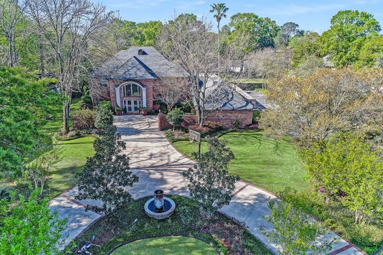 This estate is located in one of Lafayette's most established neighborhoods.