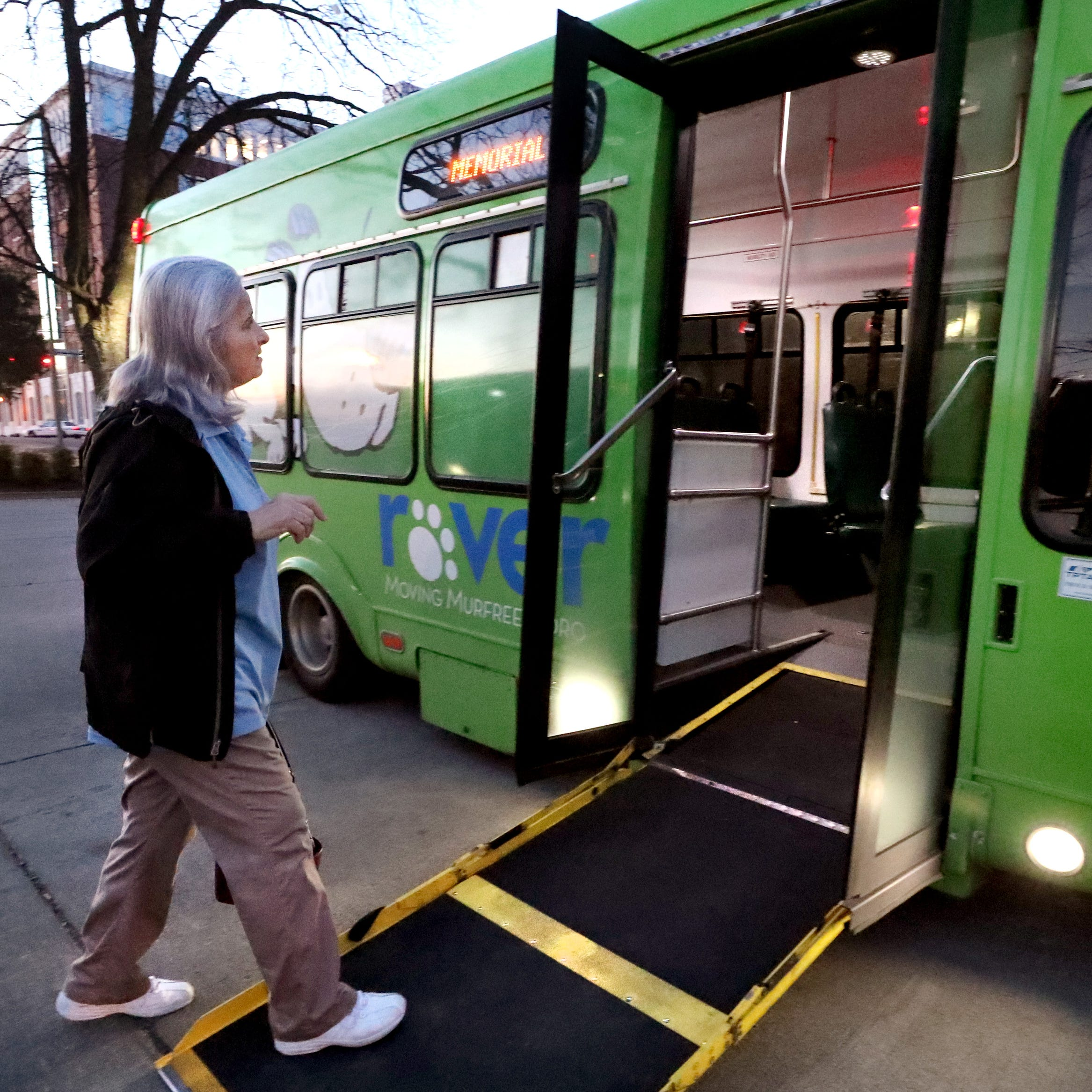 Rover bus service on Saturday 'beginning to be a demand,' Murfreesboro vice mayor says