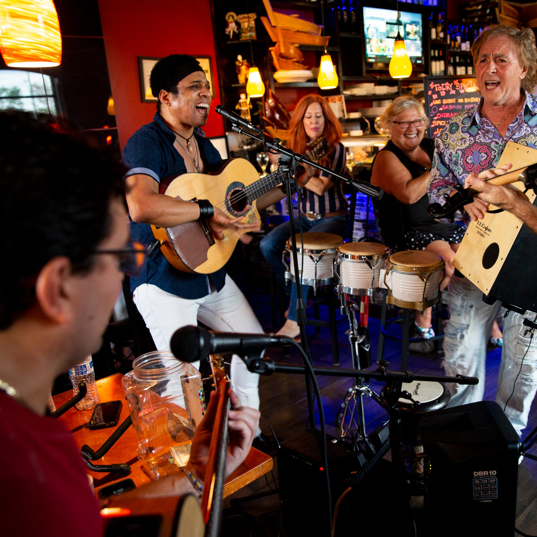 El Gato Solea and friends bring global music to a Naples sushi spot