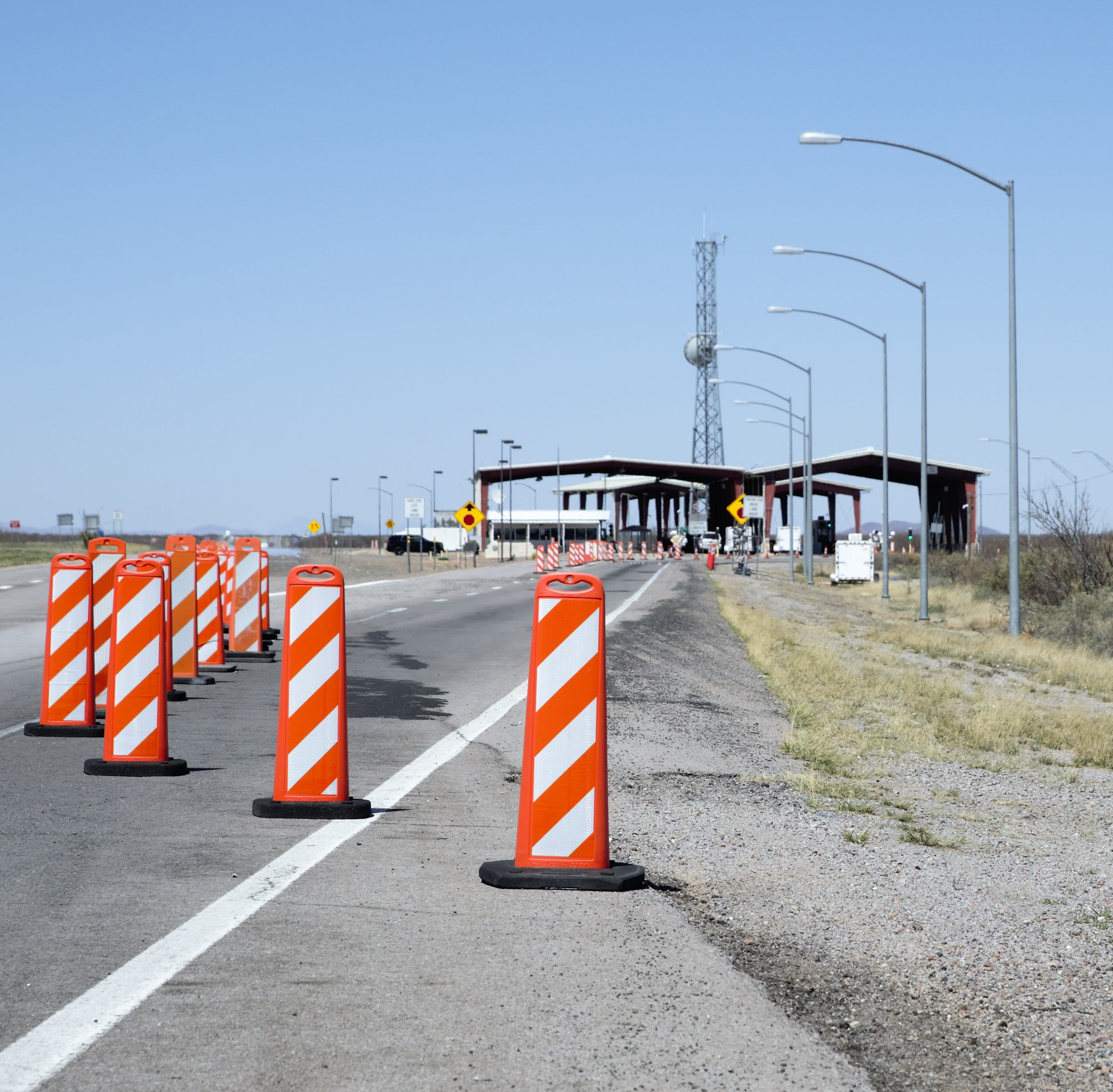 El Paso area Border Patrol checkpoints temporarily closed due to migrant influx