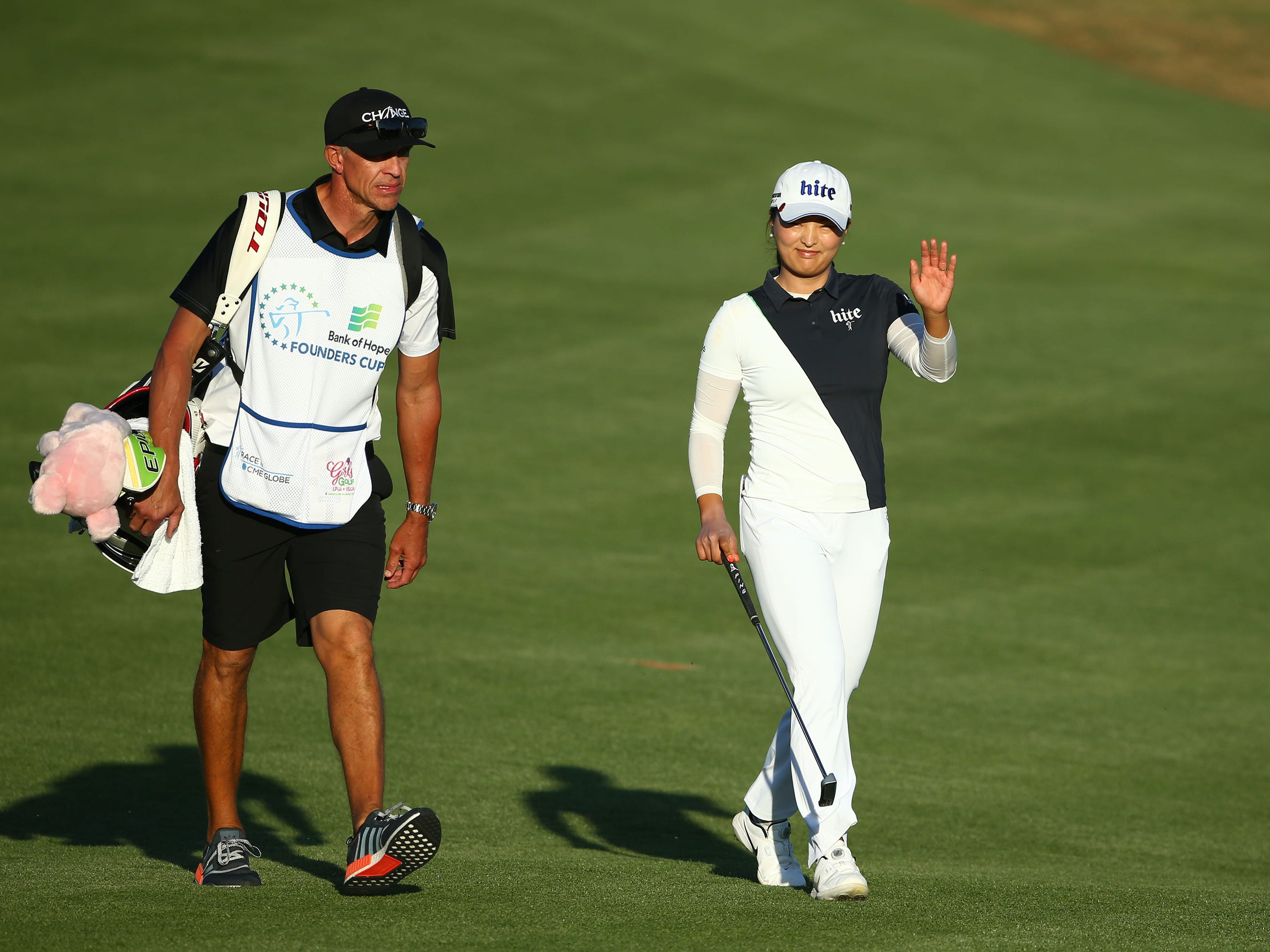 Jin Young Ko of South Korea waves to the crowd as she walks to the 18th green during final round action at the Bank of Hope Founders Cup on Mar. 24, 2019 at Wildfire Golf Club at JW Marriott in Phoenix, Ariz.