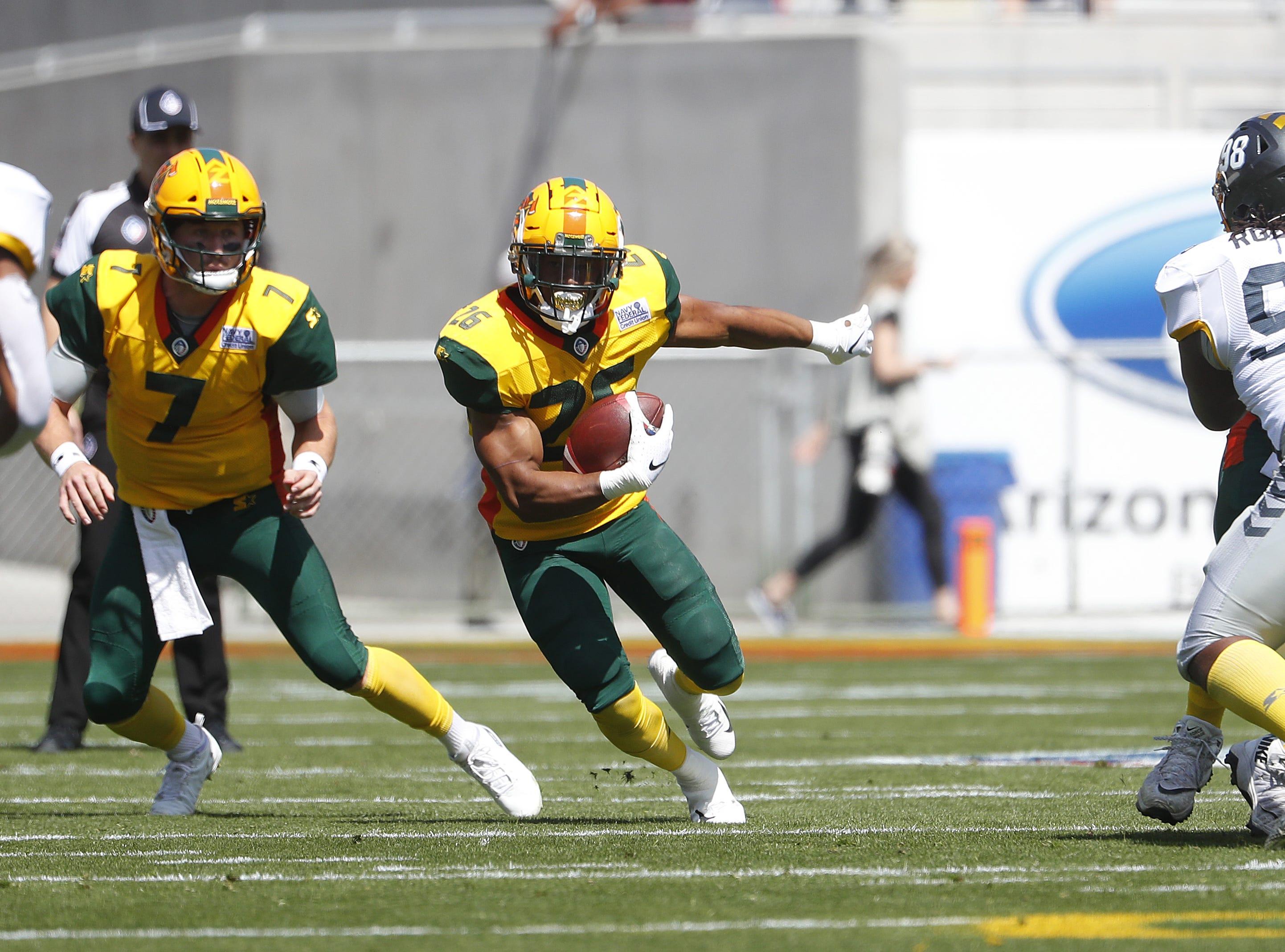 Hotshot's Jhurell Pressley (26) runs down the field against the Fleet during the first half at Sun Devil Stadium in Tempe, Ariz. on March 24, 2019.