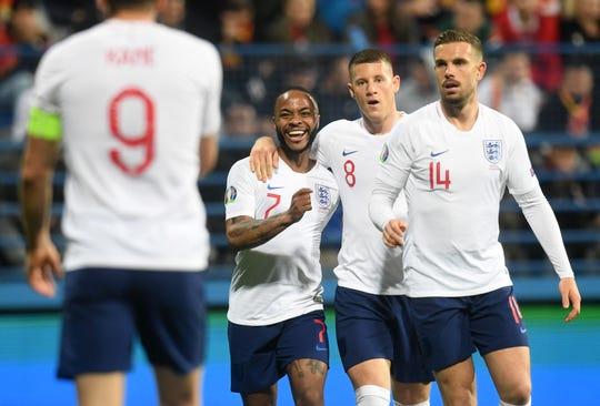 Inglaterra goleó 5-1 a Montenegro.