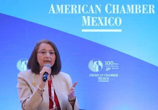La subsecretaria de Comercio Exterior, Luz María de la Mora Sánchez, participa en una rueda de prensa este lunes, en Ciudad de México.