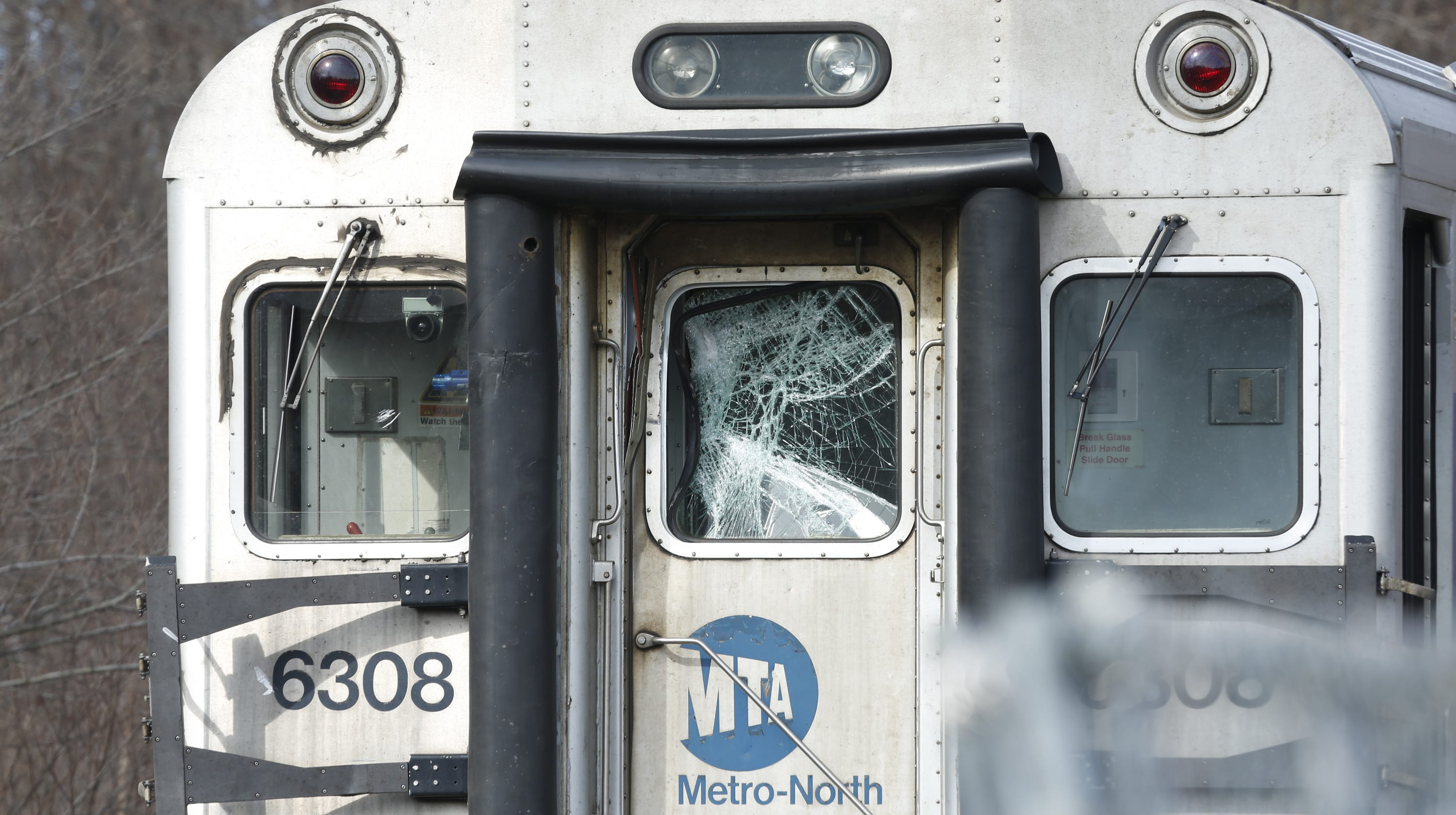 Harlem Line Train Struck Trailer In Pawling One Injured Mta