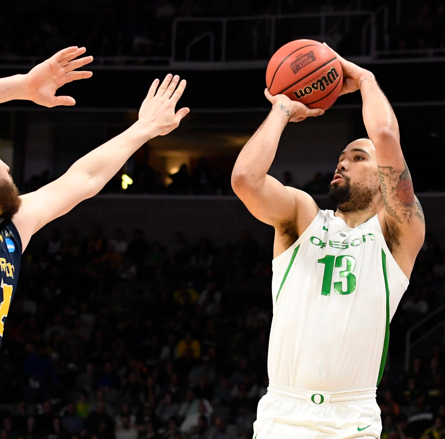 Oregon Ducks men rout UC Irvine, reach NCAA Sweet 16