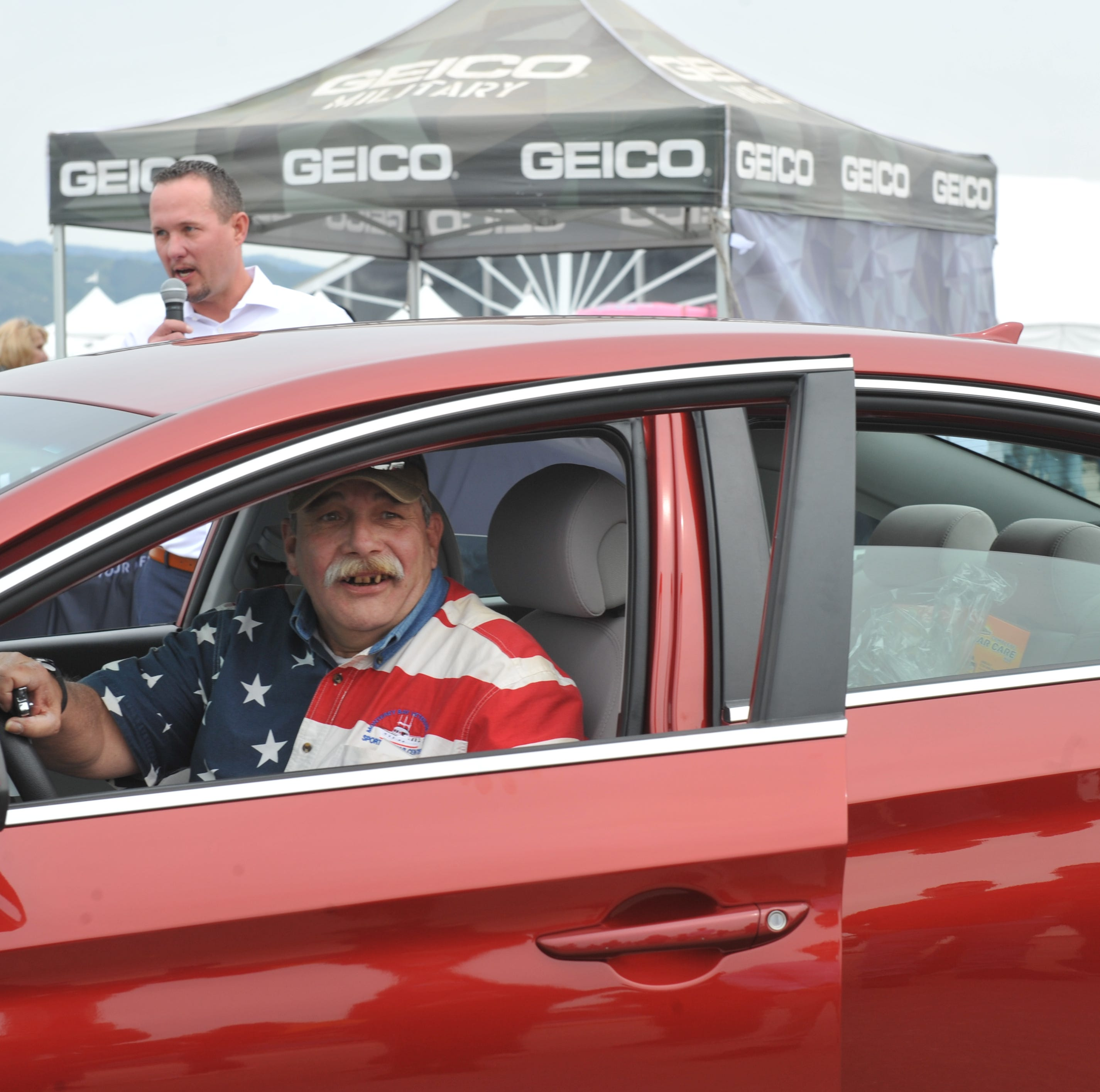 Prunedale U.S. Army veteran receives donated car at Salinas airshow