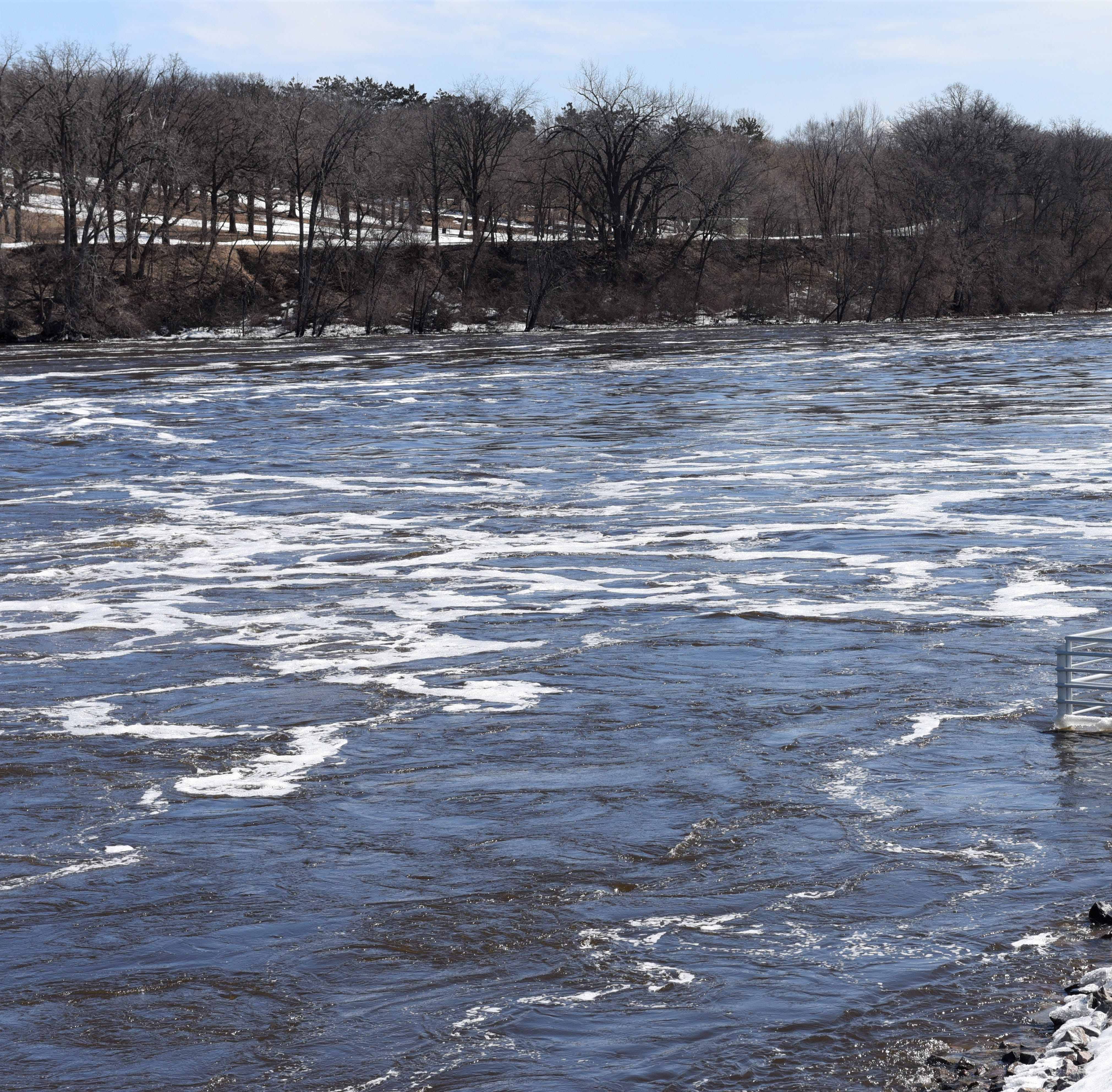 Flood warning issued for Mississippi River at St. Cloud