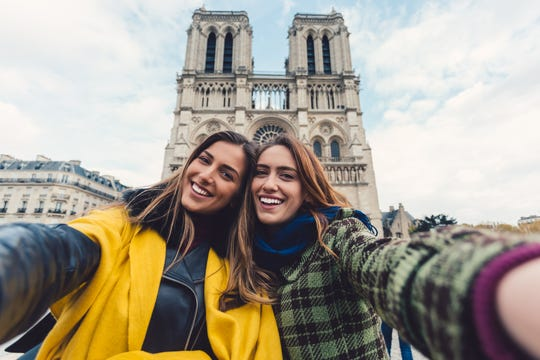 Perfect selfies are all over Facebook, Instagram and Snapchat. They're killing us