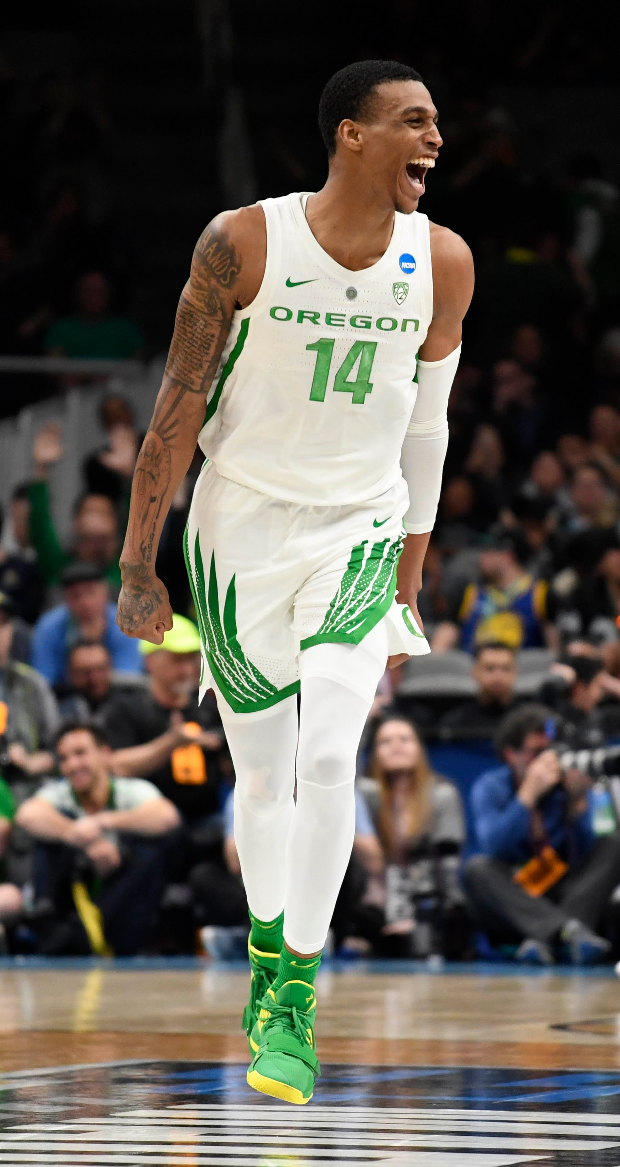 oregon-survives-cold-spell-to-knock-out-uc-irvine-and-advance-to-sweet-16
