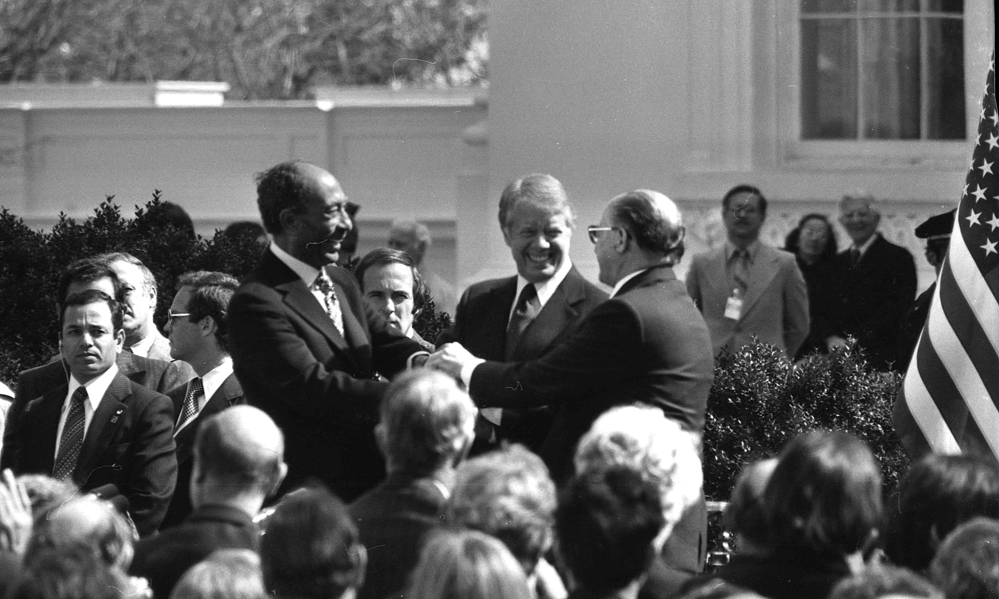 This is the signing ceremony of the Peace Agreement with Egypt, arranged by US President Jimmy Carter.