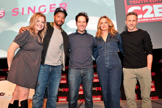 """Actress Clare Kramer, far left, moderates a """"Clueless"""" reunion panel with stars Donald Faison, Paul Rudd, Alicia Silverstone and Breckin Meyer on March 23, 2019 in Chicago."""
