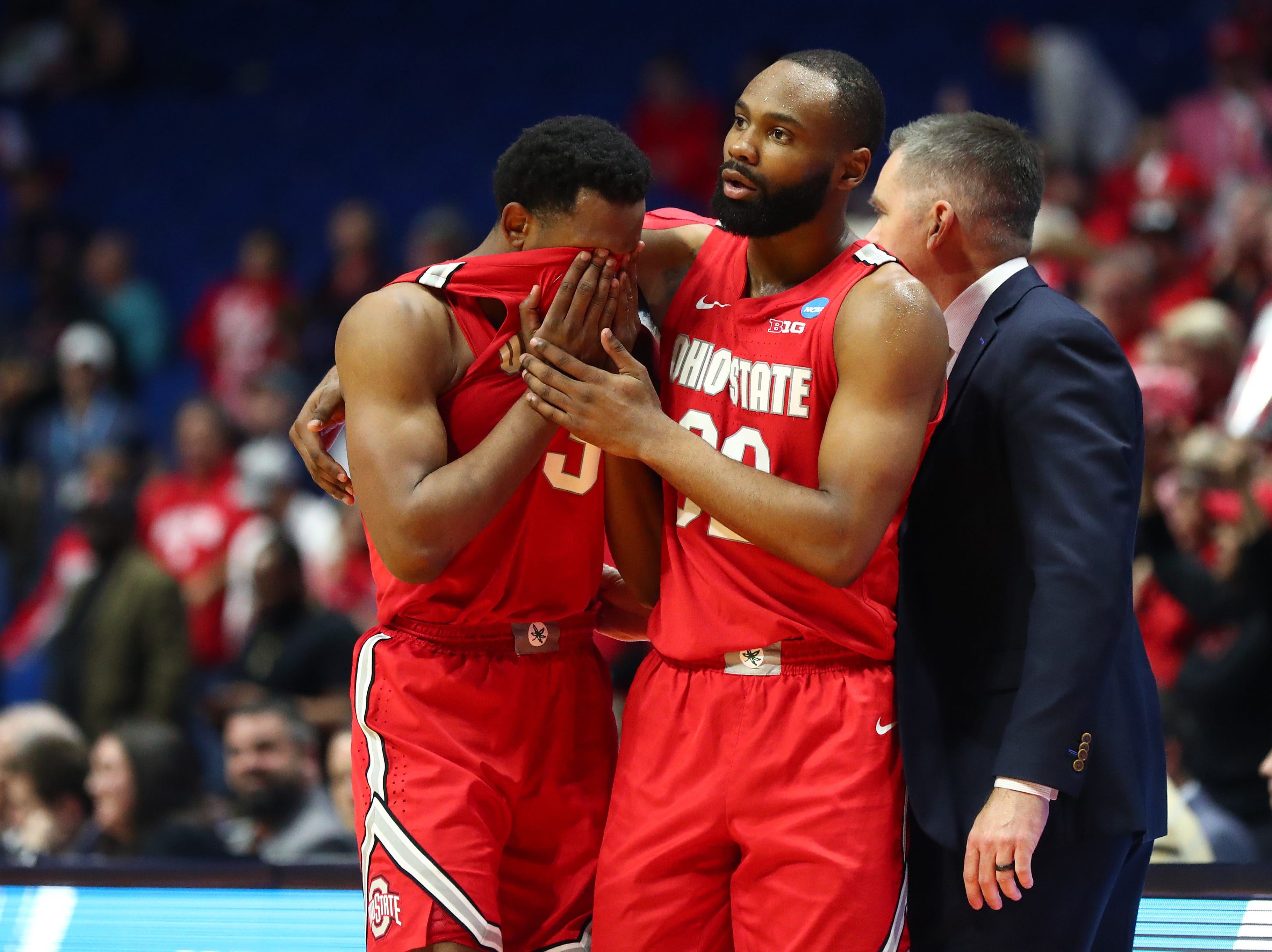Round of 32: No. 11 Ohio State loses to No. 3 Houston, 74-59.