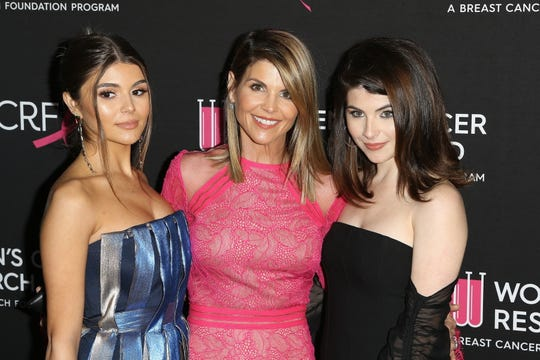 Westlake Legal Group a3cadb60-6d4f-4772-a202-32f22f34ee70-EPA_FILE_USA_TRIALS_TELEVISION_LOUGHLIN Lori Loughlin's daughters, Olivia Jade and Isabella Giannulli, are no longer USC students