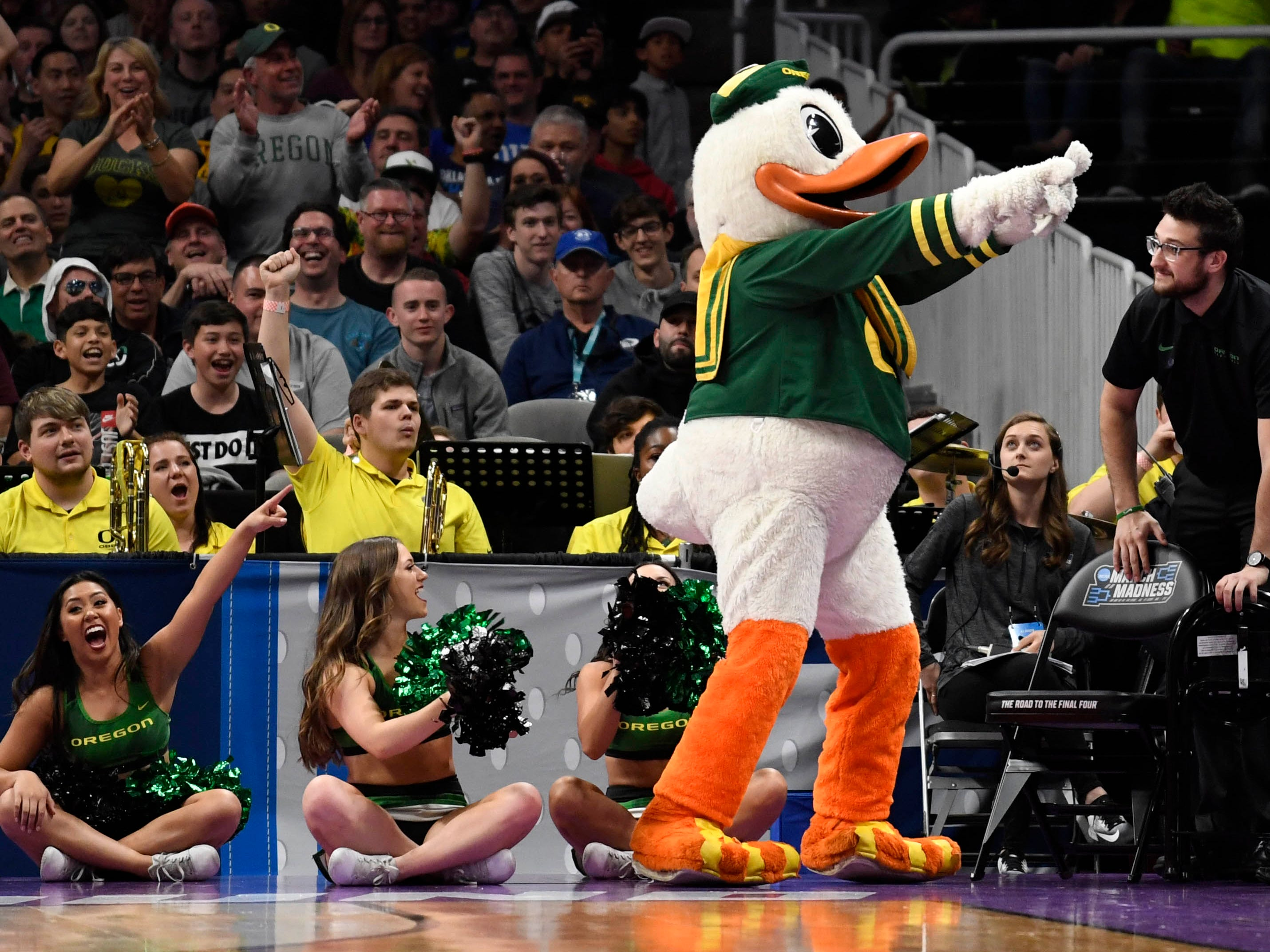 Round of 32: The Oregon Ducks mascot performs during the first half against the UC Irvine Anteaters.
