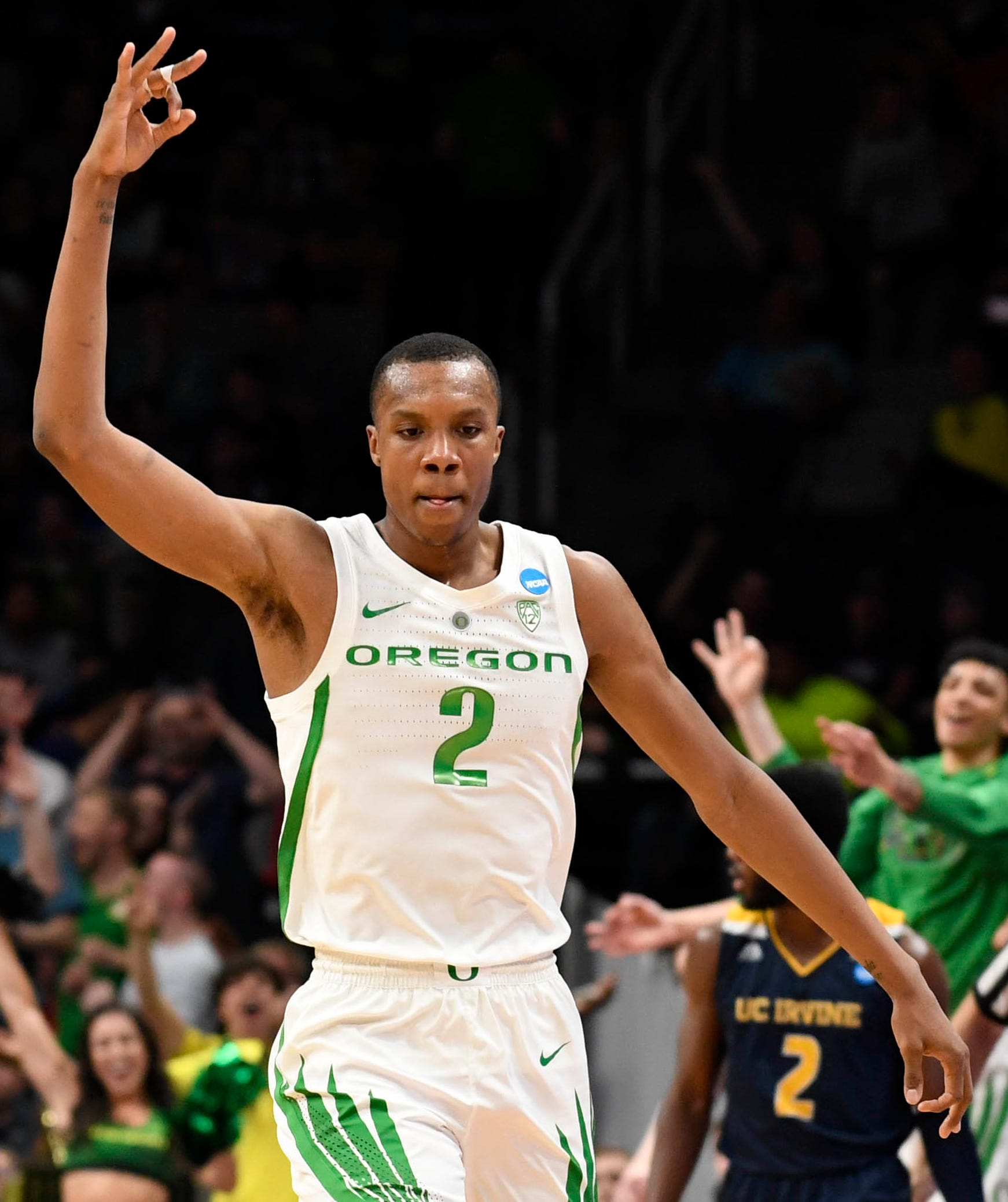 Louis King celebrates a three-point basket against UC Irvine.