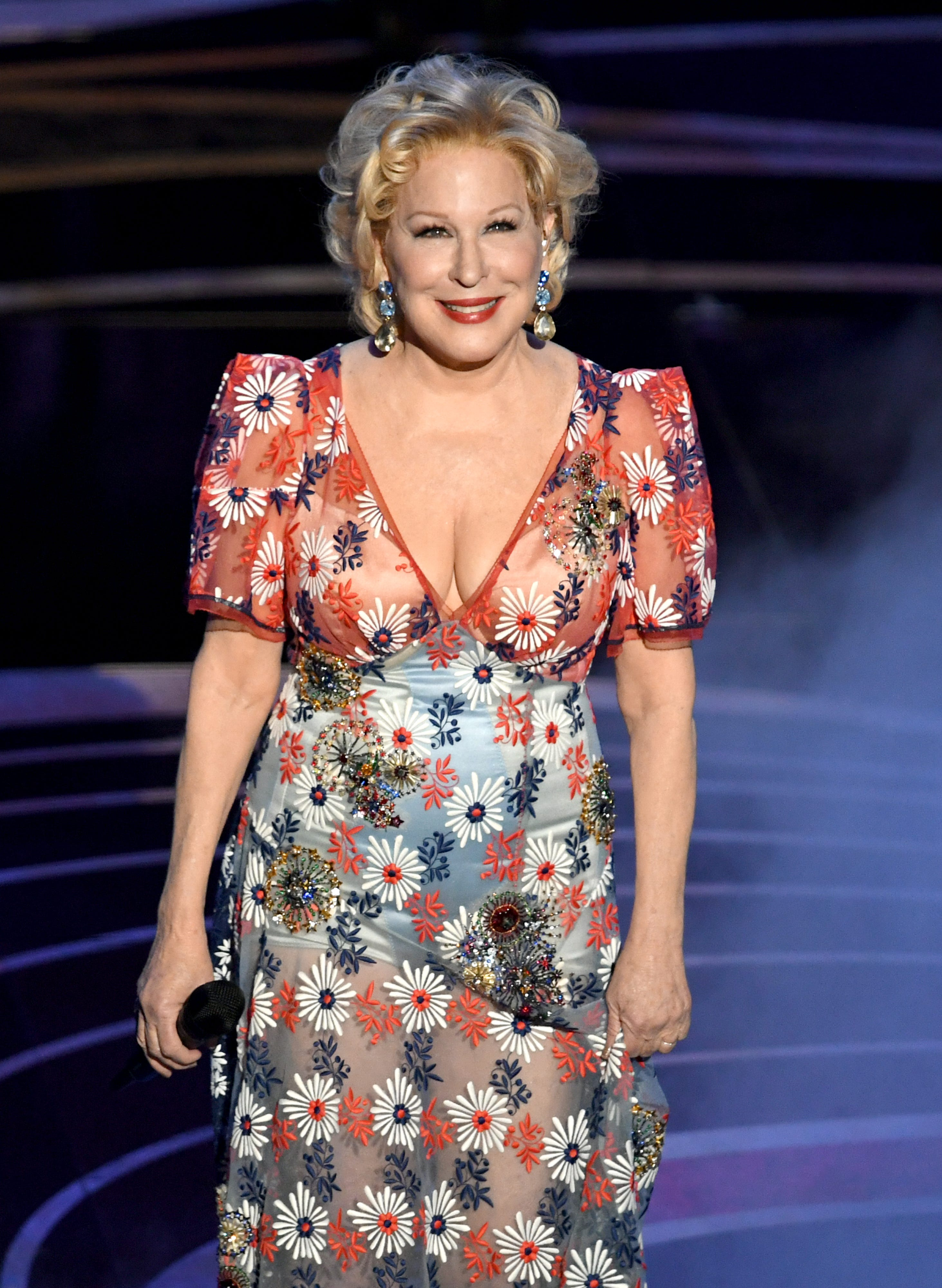 Bette Midler reacts to Mueller report: 'Two more years of chaos, race-baiting' under Trump