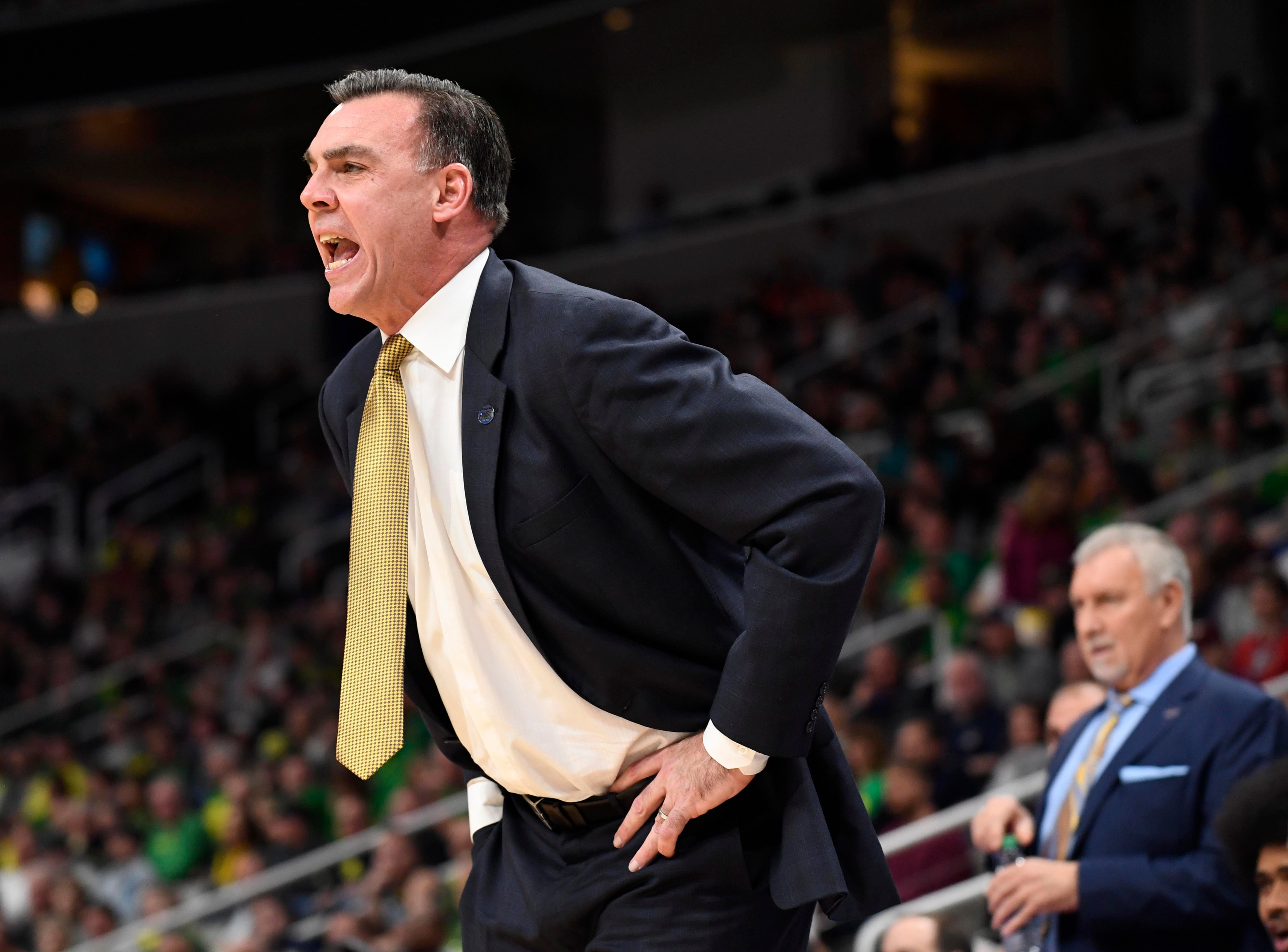 Opinion: In taunting Oregon player, UC Irvine coach demeaned gays, women and his school
