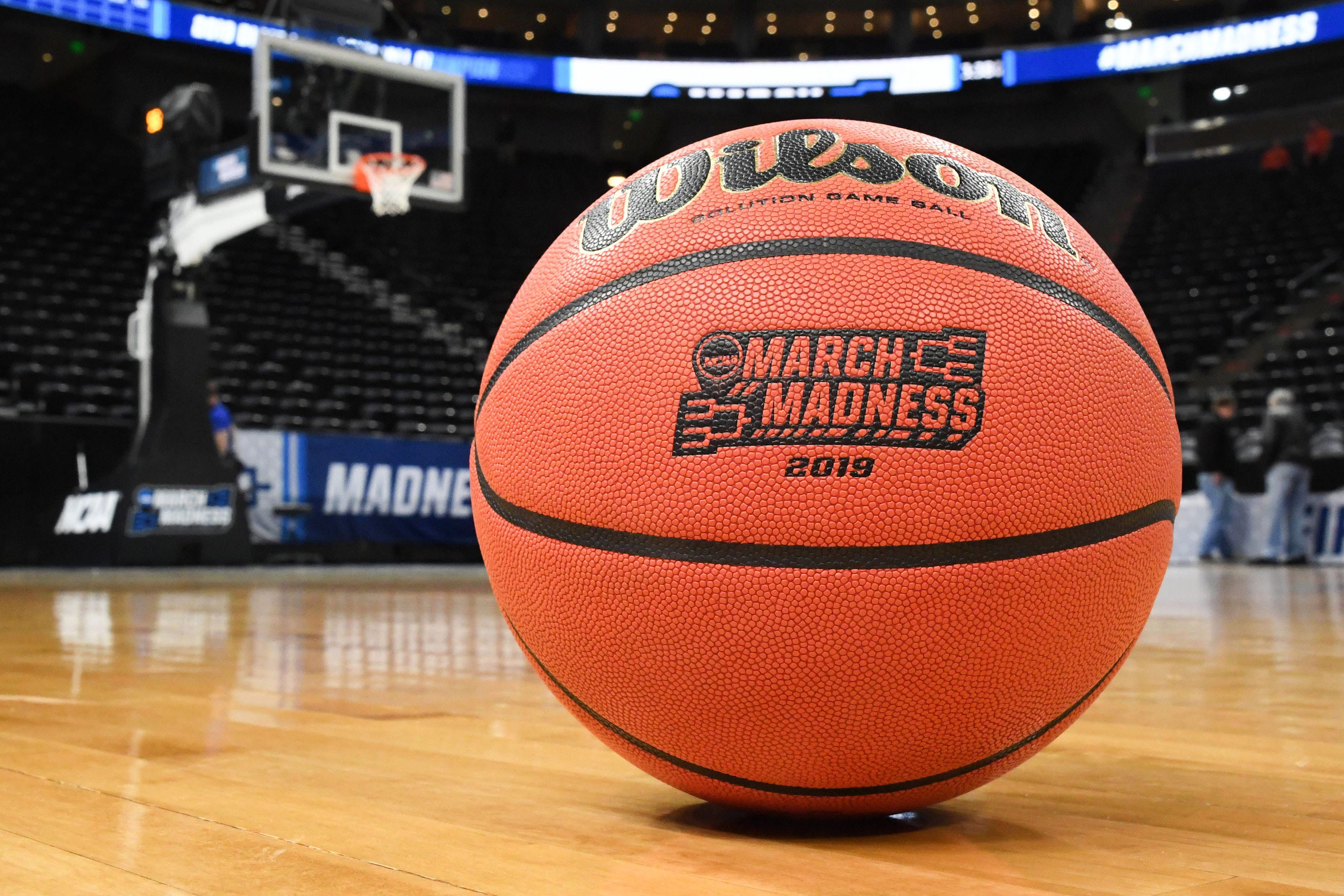 There is only one perfect NCAA tournament bracket left entering Sweet 16