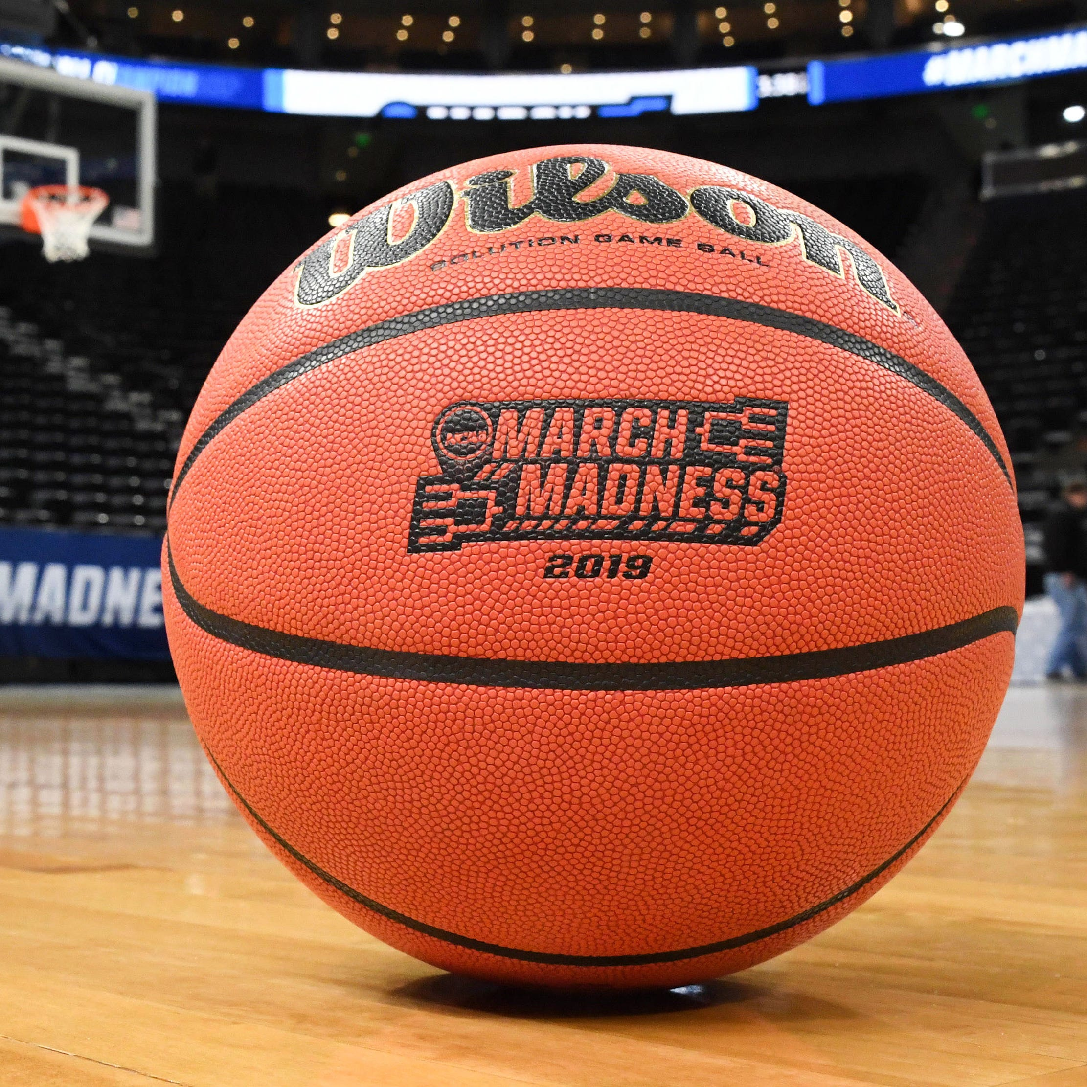 Ohio man has the only one perfect NCAA tournament bracket left entering Sweet 16